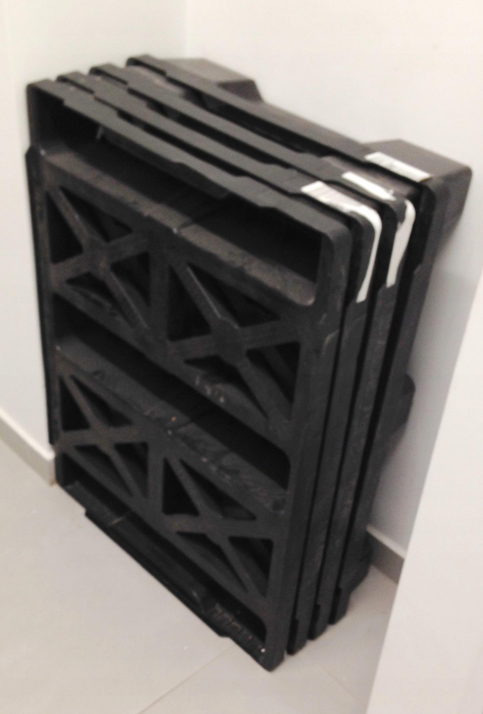 4 Palety Plastikowe Na Płozach 80 X 60 Cm Doniczki