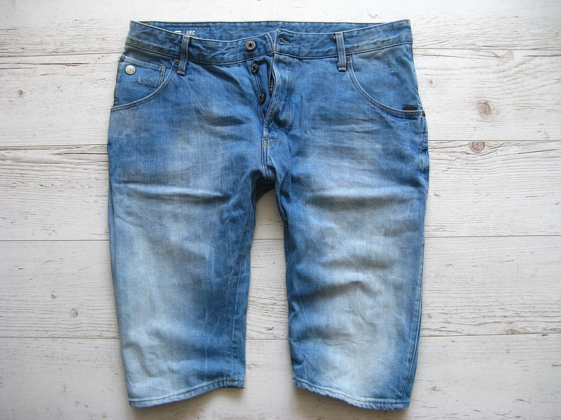 G-STAR RAW ARC 3D SHORT JEANS SPODENKI W pas 94 cm