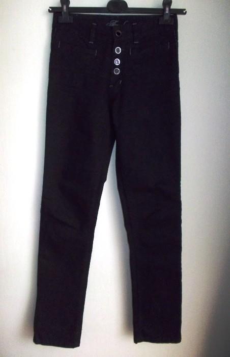Spodnie rurki jeansowe z długim stanem czarne 36