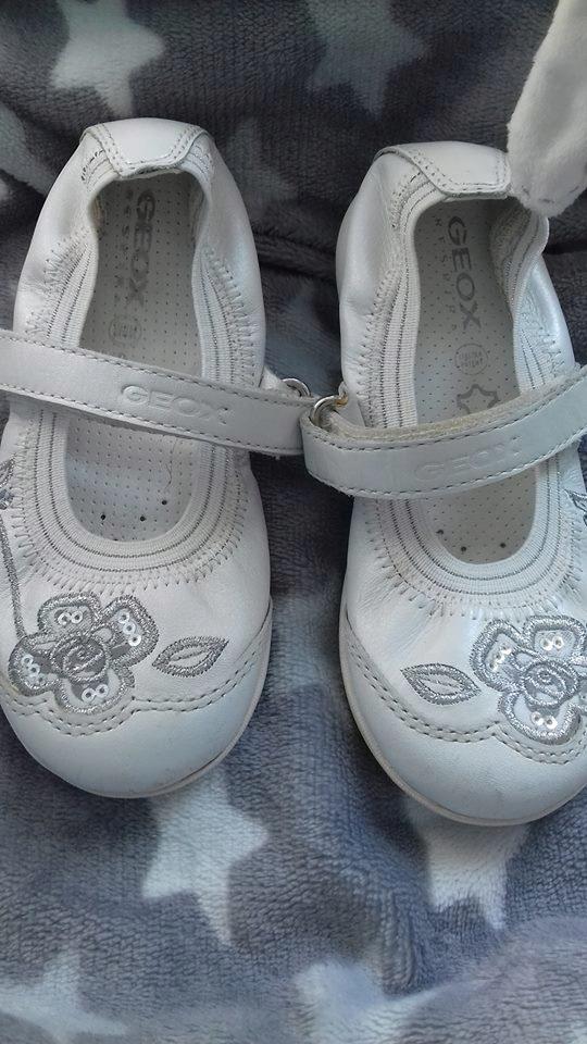 Białe buty Geox 16 cm roz.26 skóra cekiny stan bdb