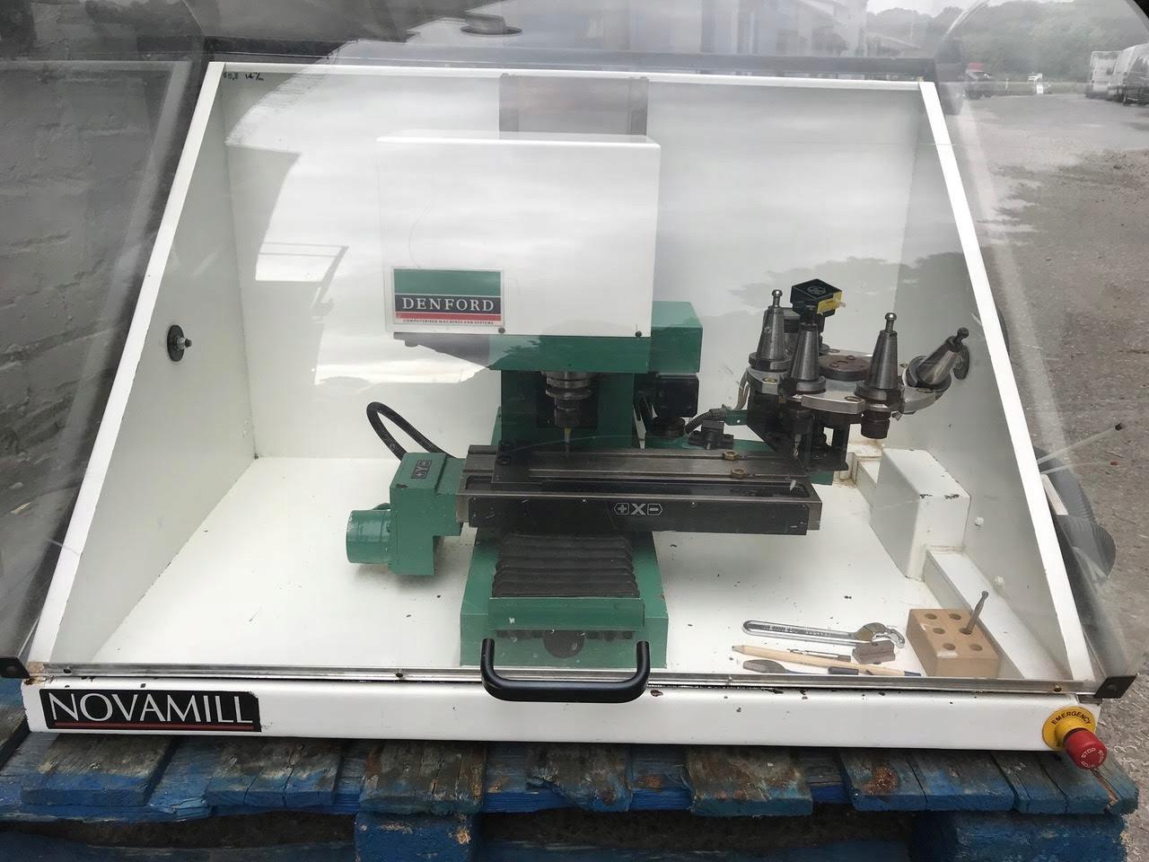 Modne ubrania Mała Frezarka CNC z zasobnikiem narzędzi - 7425679439 - oficjalne MP86