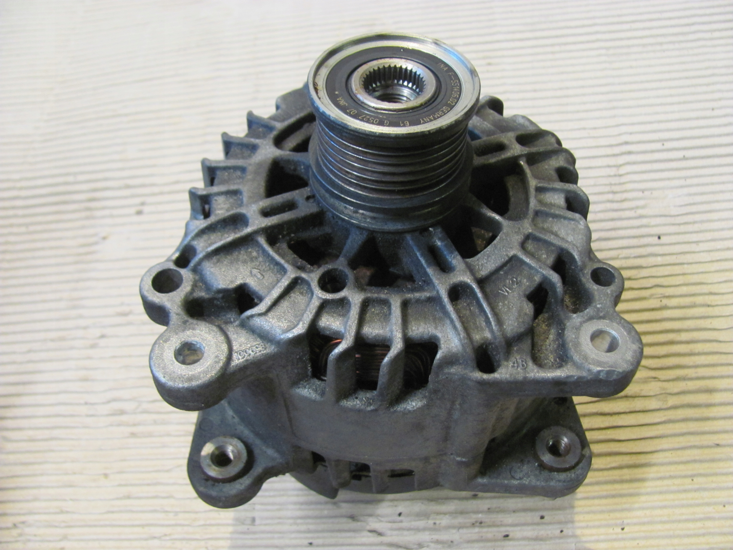 VW T5 T6 2.0 TDI ALTERNATOR 03L903023Q
