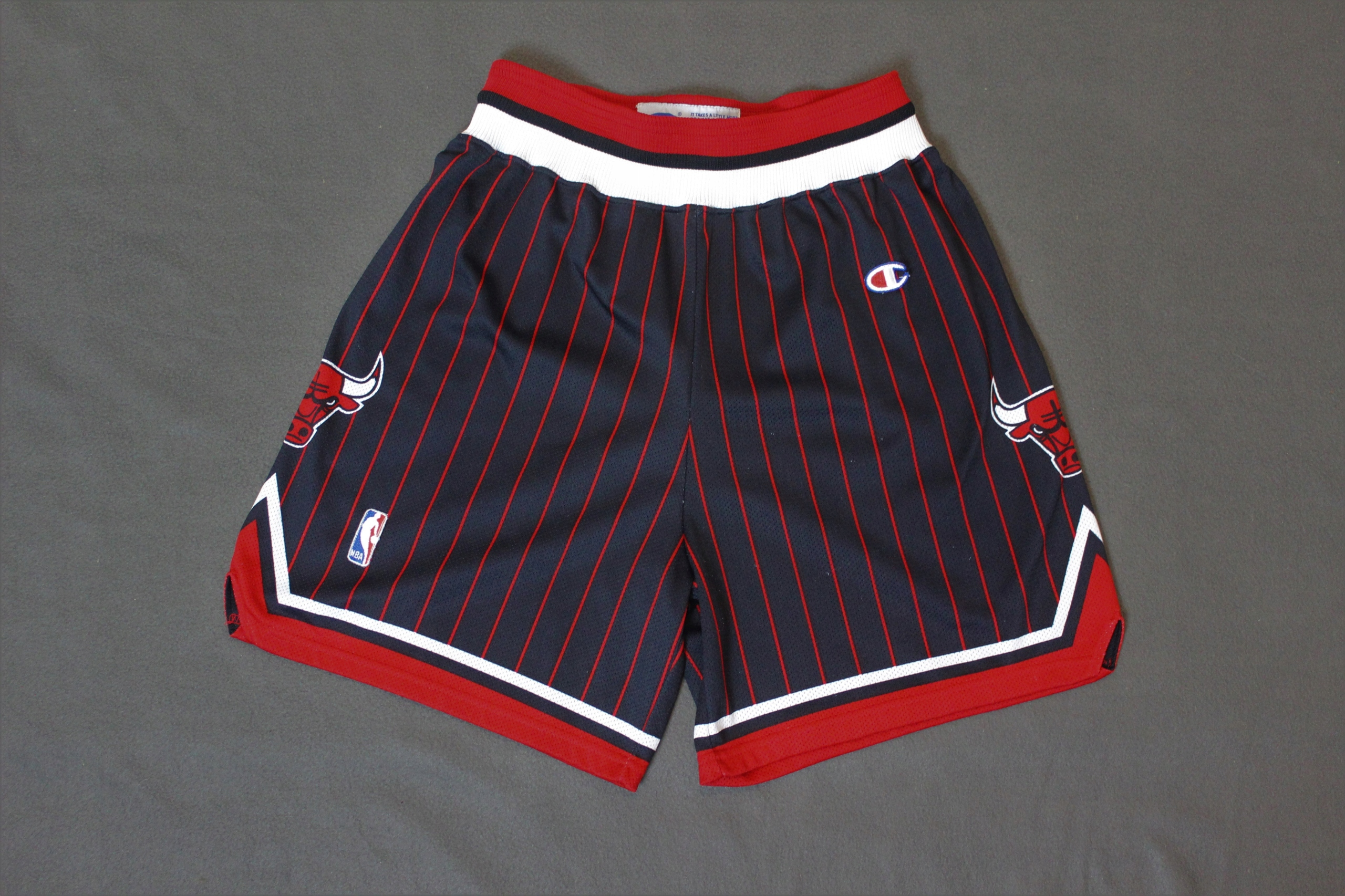 Spodenki Chicago Bulls L Champion NBA retro