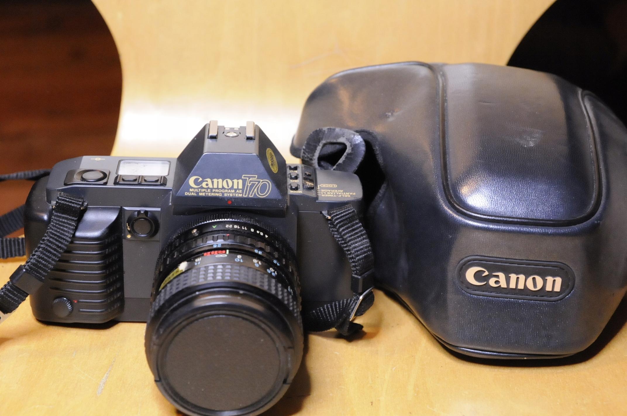 Canon T70 + obiektyw 25-50/4- ładny i sprawny