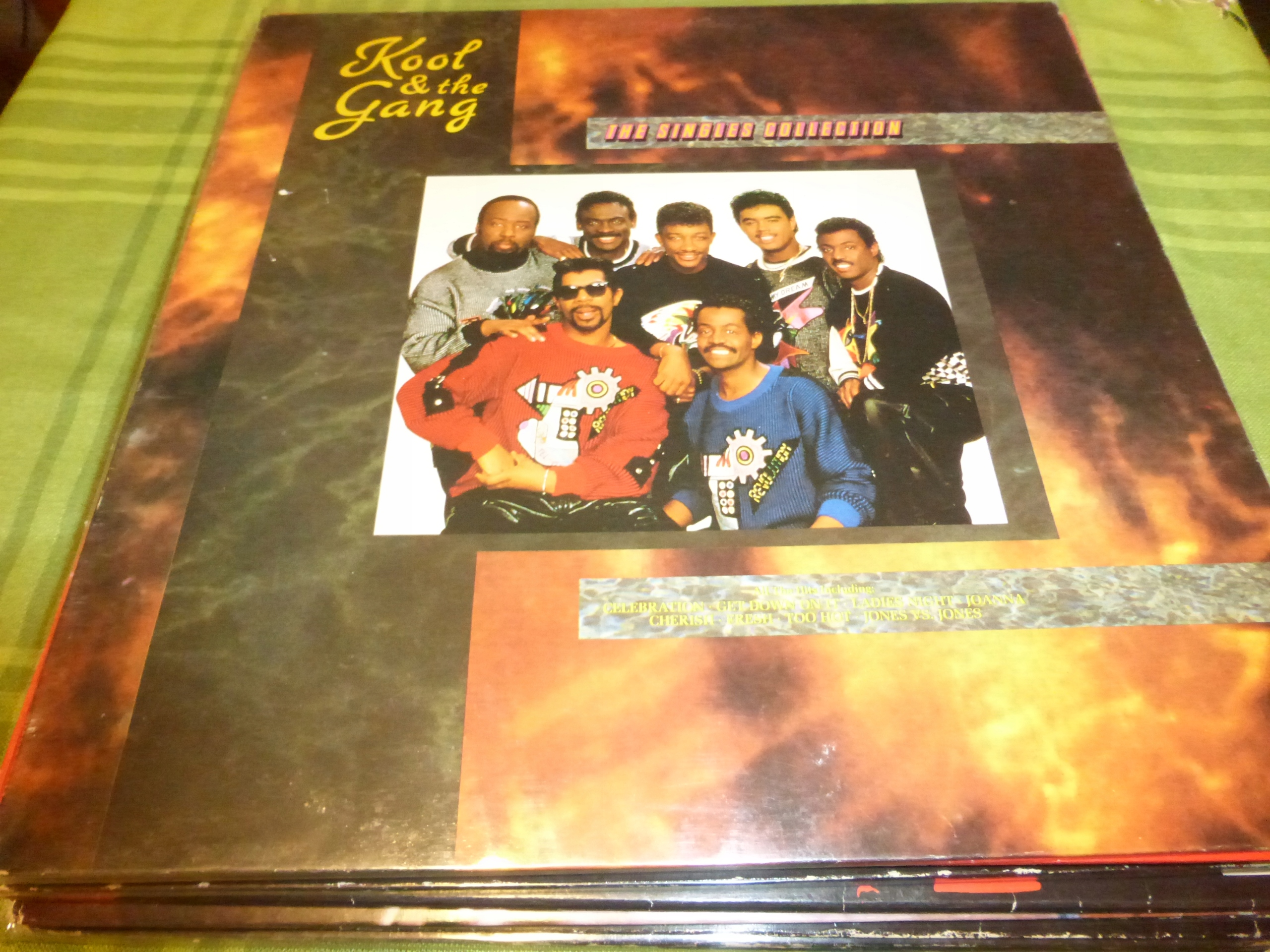 Kool & The Gang Singles Collection NM Get Down
