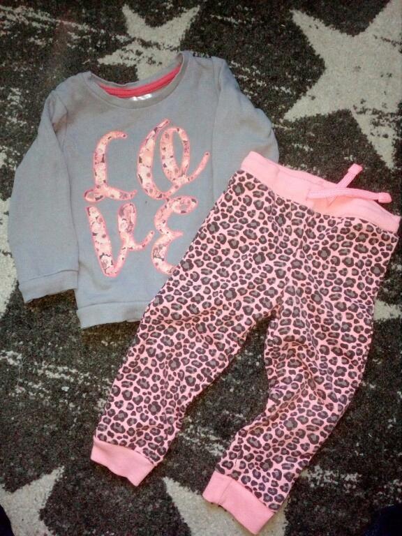paka dla dziewczynki jeansy, bluzki r.86