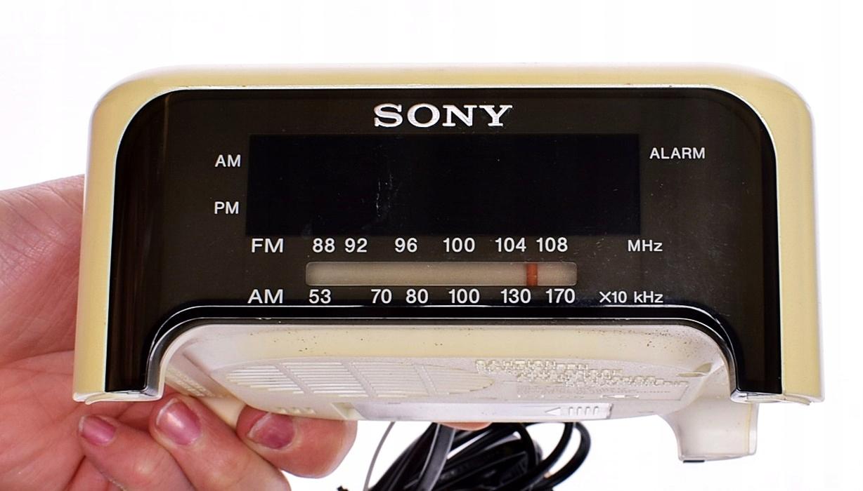 6367-15 ...SONY DREAM MACHINE... RADIO BUDZIK 13CM