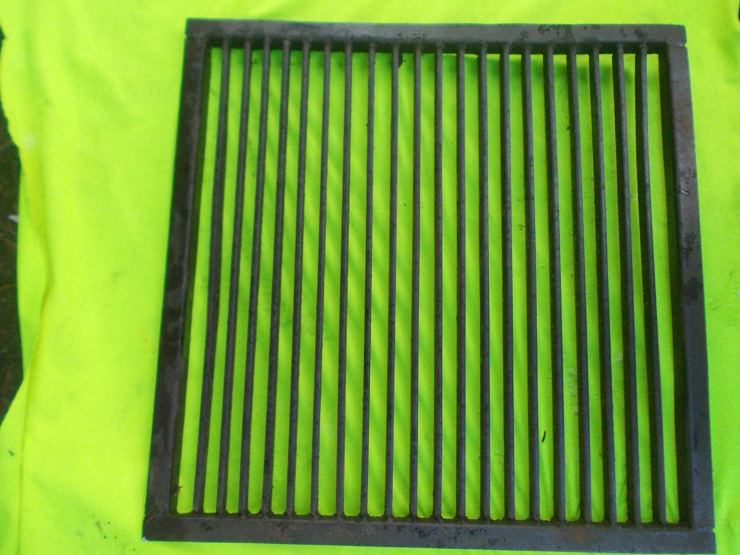 POKRYWA ŻELIWNA do szamba 70x70 cm (PRL) solidna