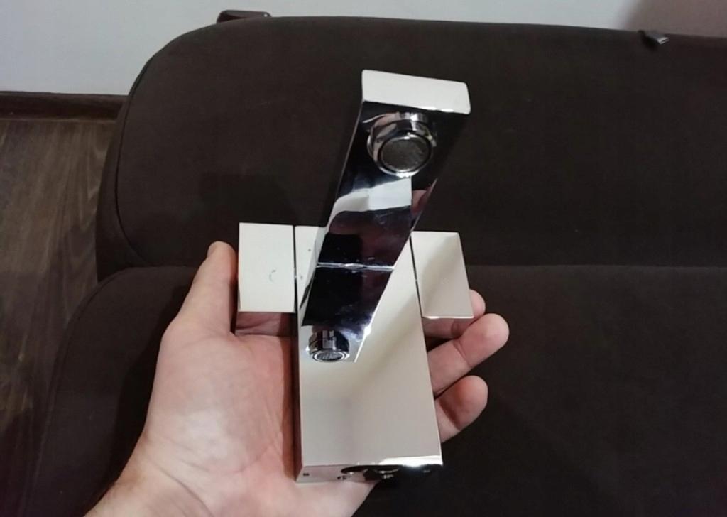 Bateria umywalkowa EAGO kwadratowa