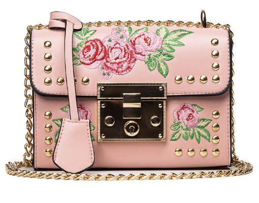 7a611fc370202 Torebka na ramię z haftem elegancka modna różowa - 6888493108 ...