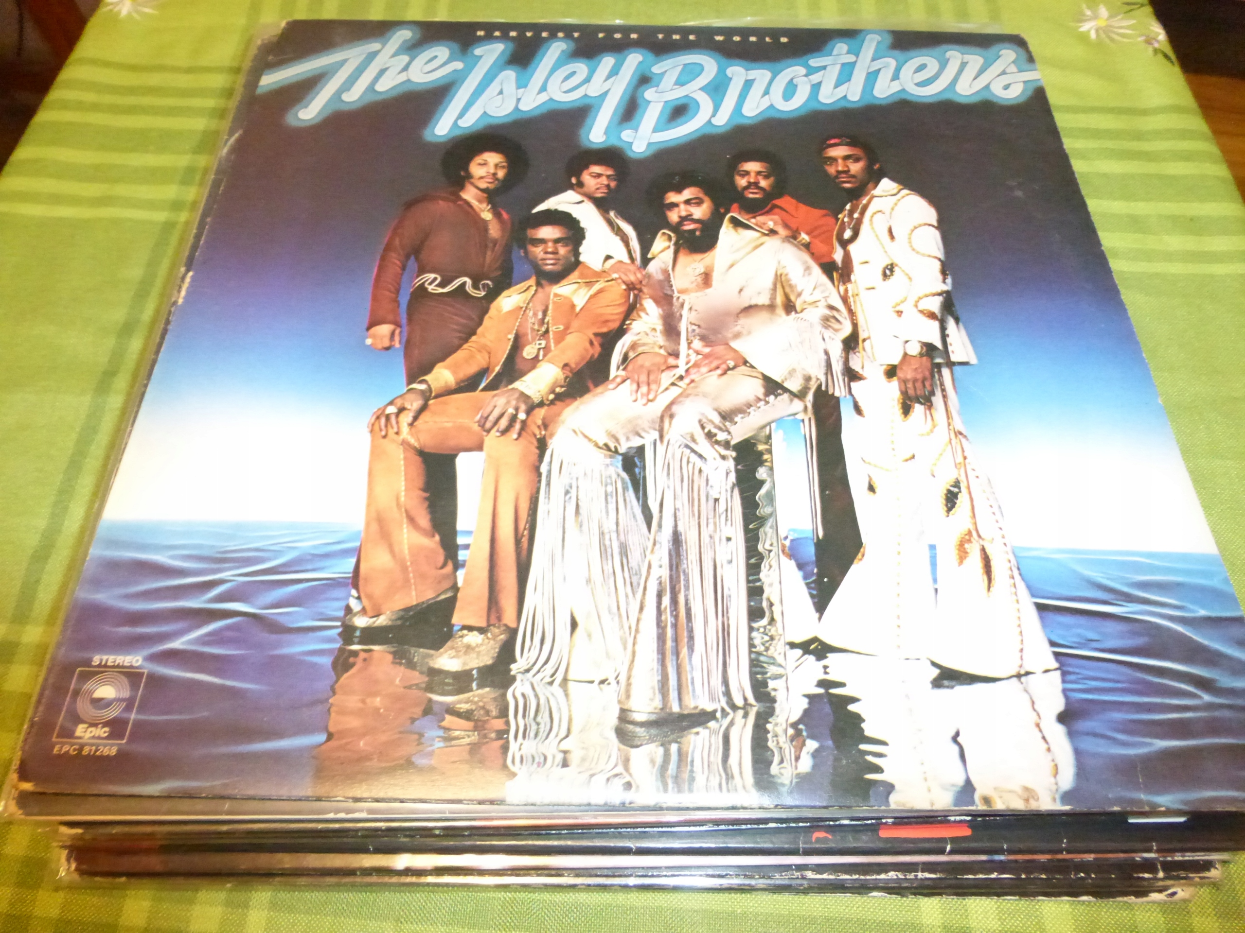 The Isley Brothers Harvest For The World UK press