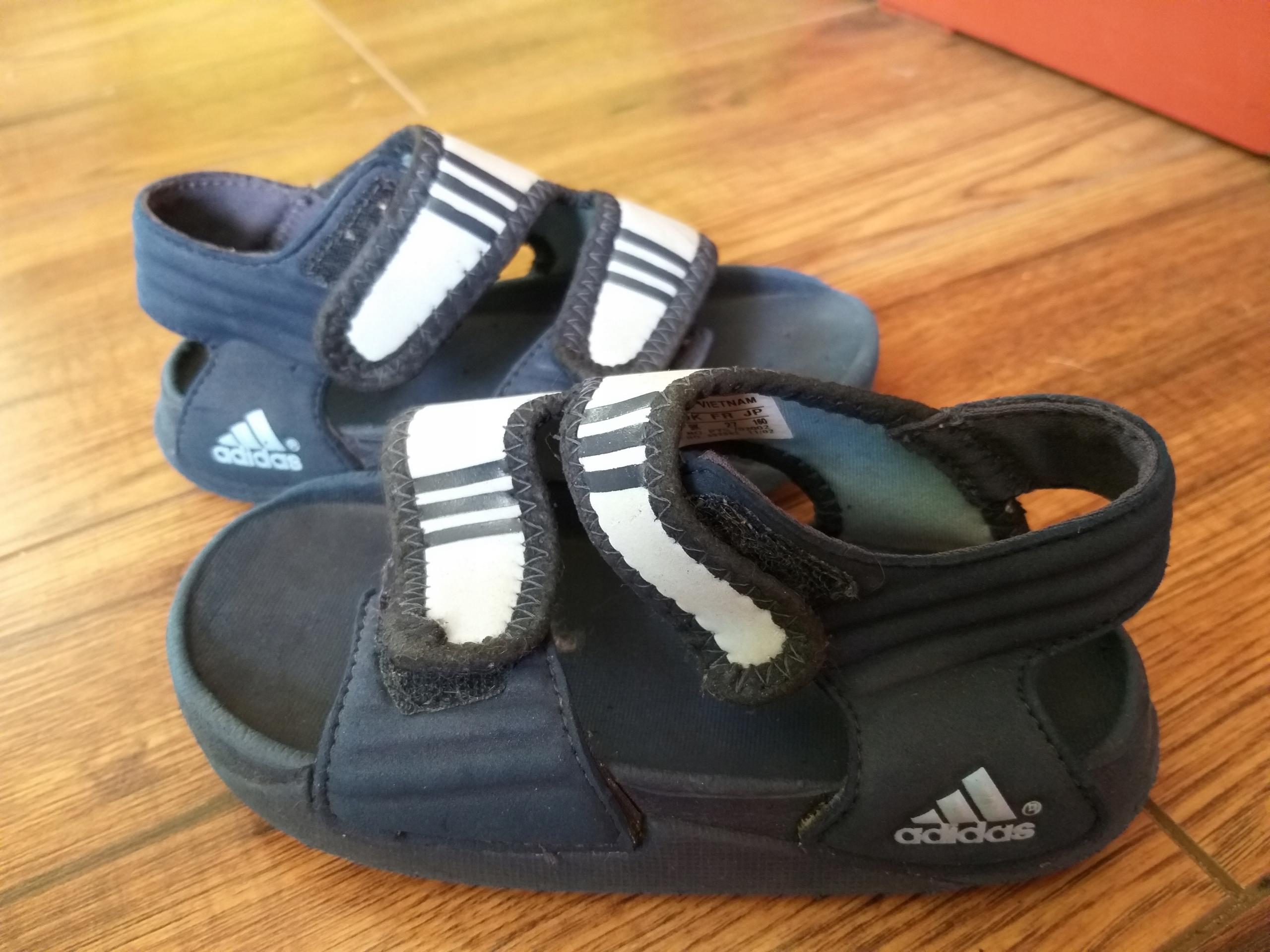 Adidas-Sandałki