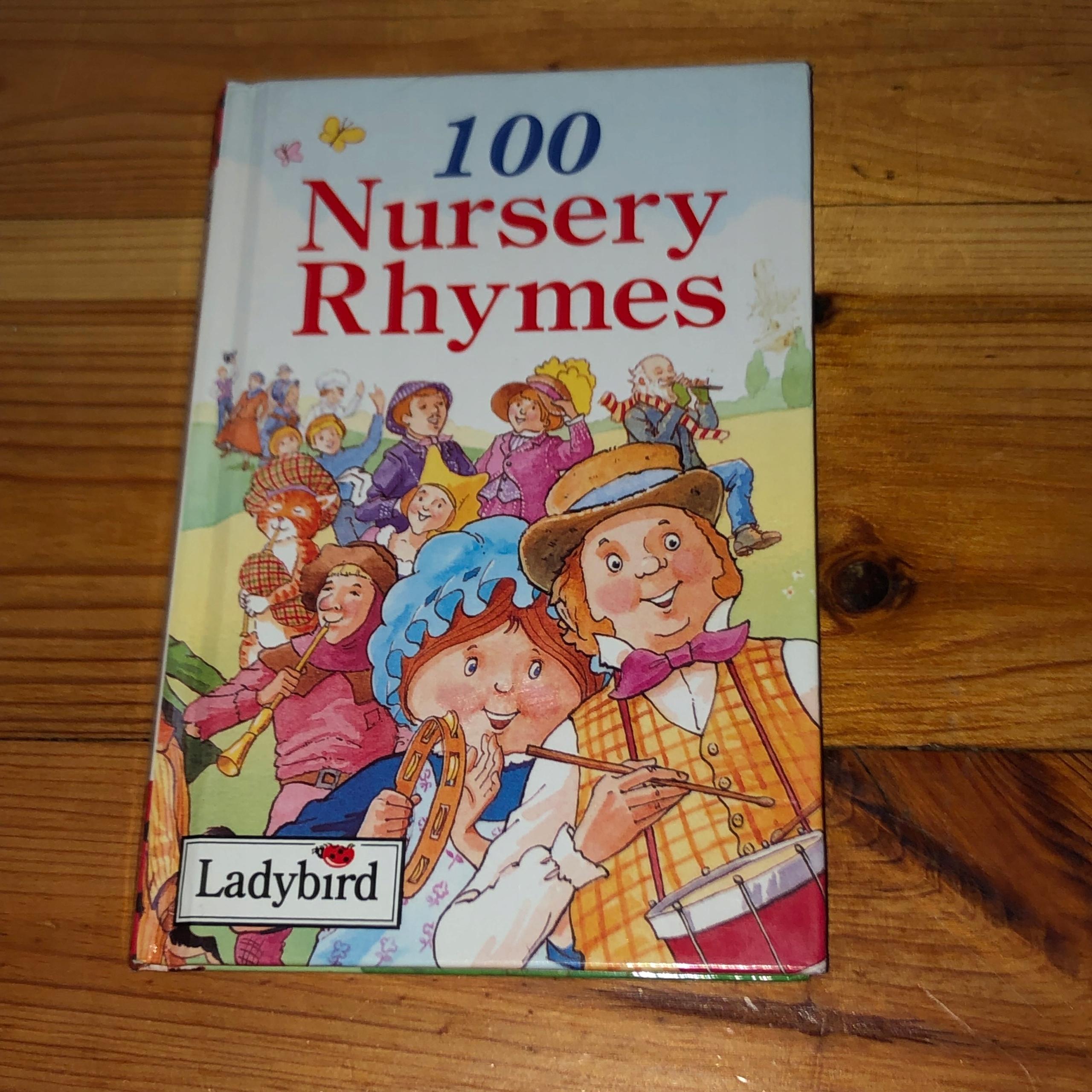 Książka angielska 100 NURSERY RHYMES LADYBIRD