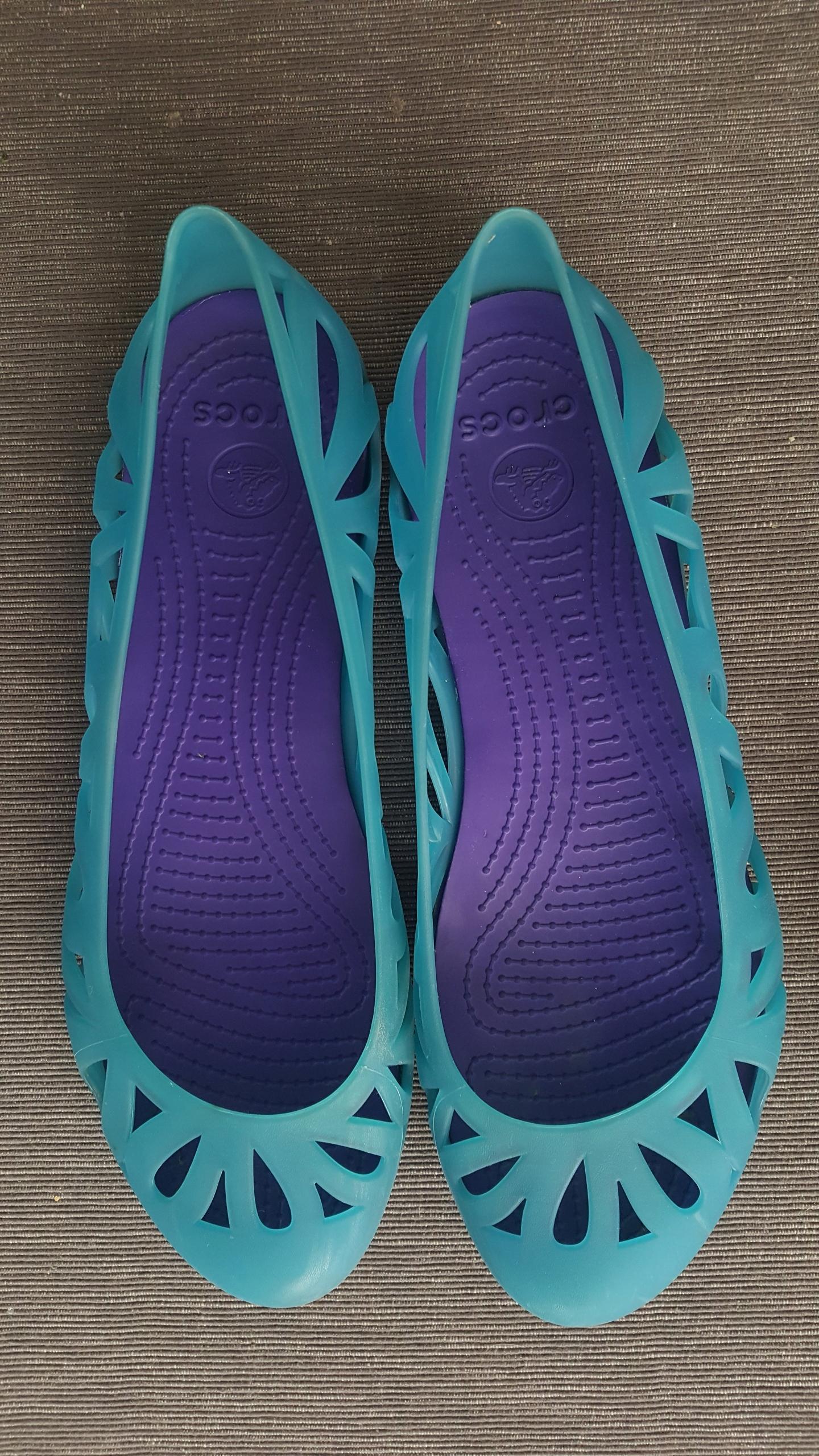 Crocs r. 40/W9 - morskie baleriny
