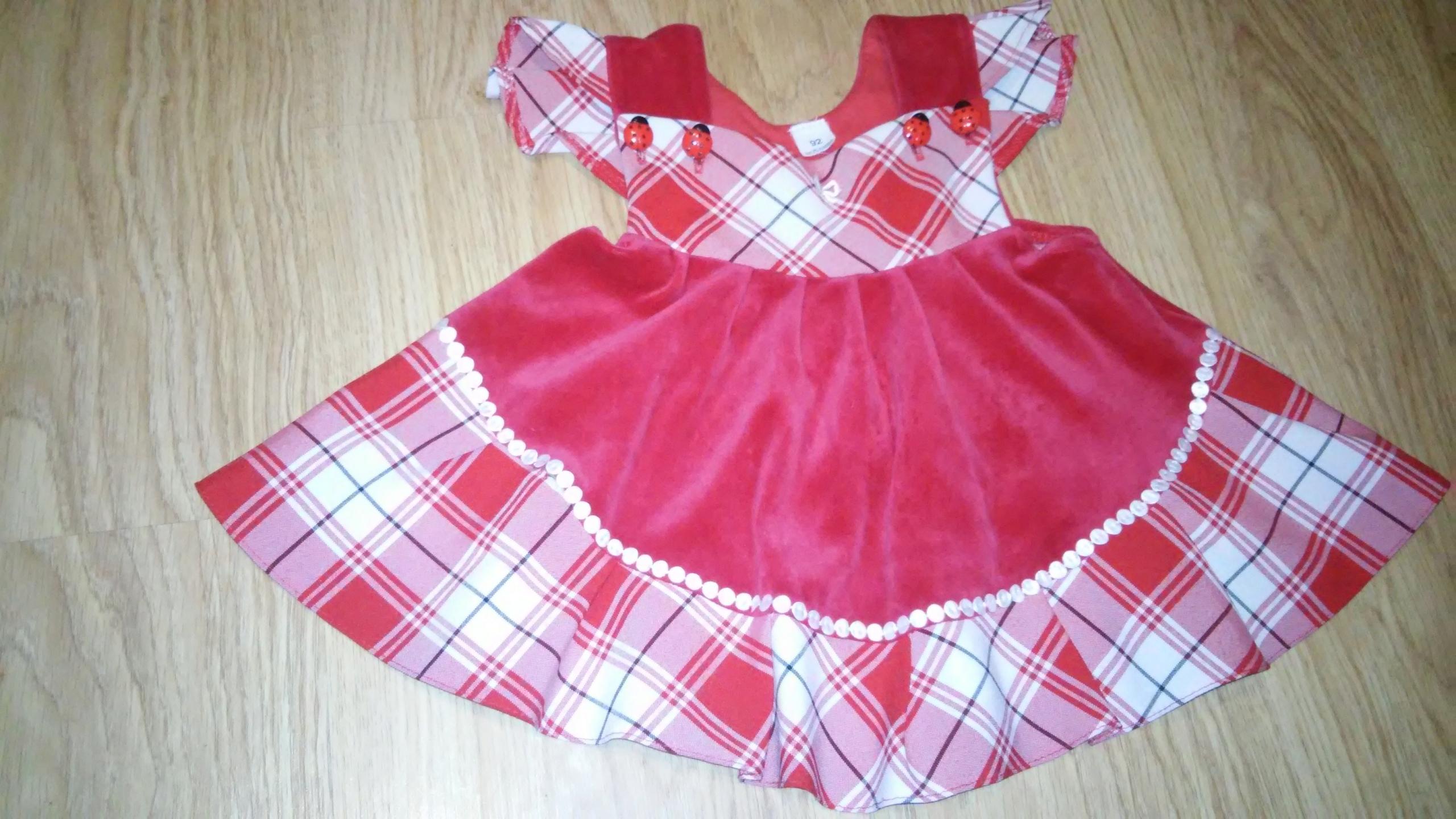 Sukienka welurowa czerwona r. 92