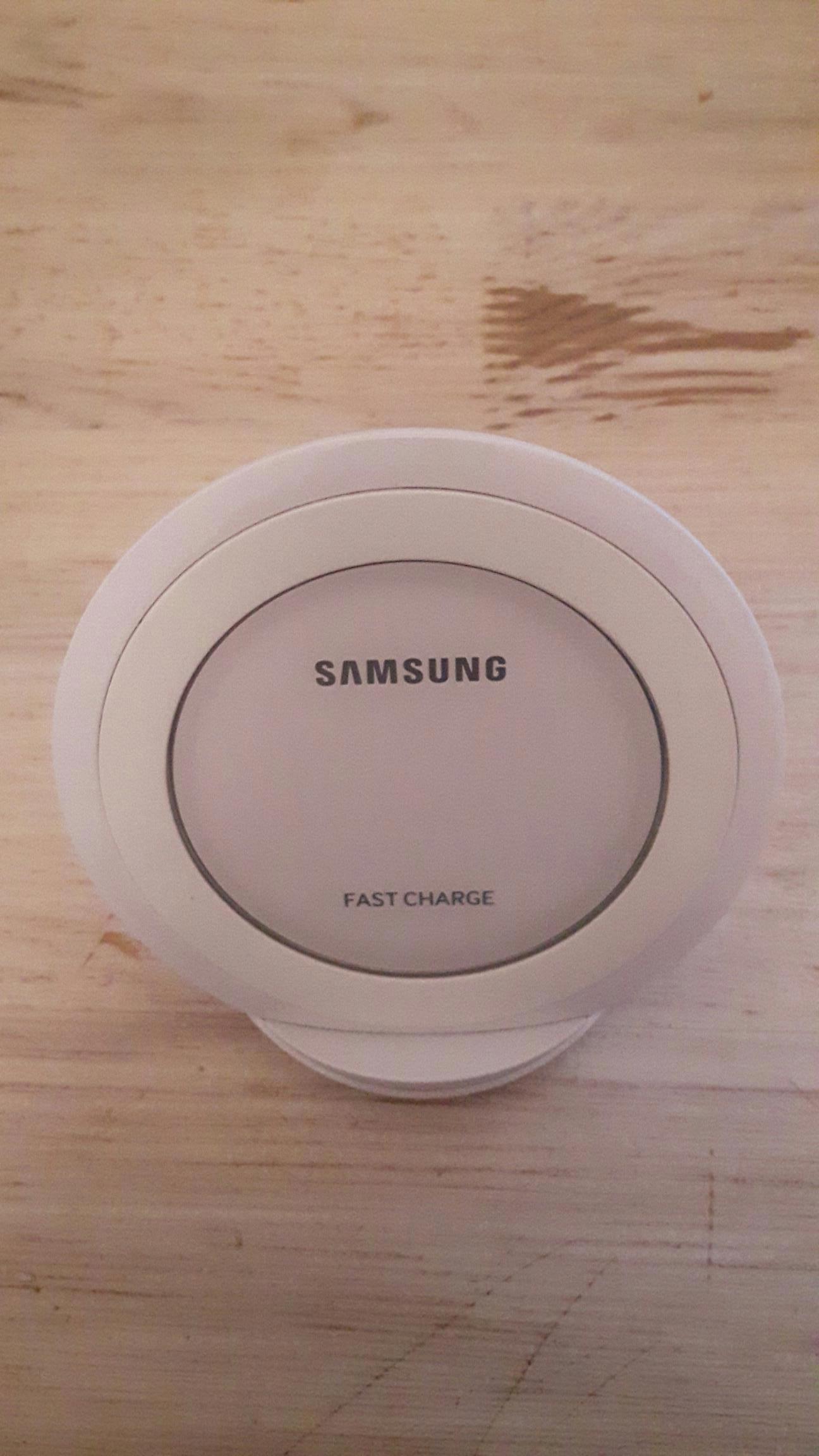 SAMSUNG FAST CHARGE EP-NG930