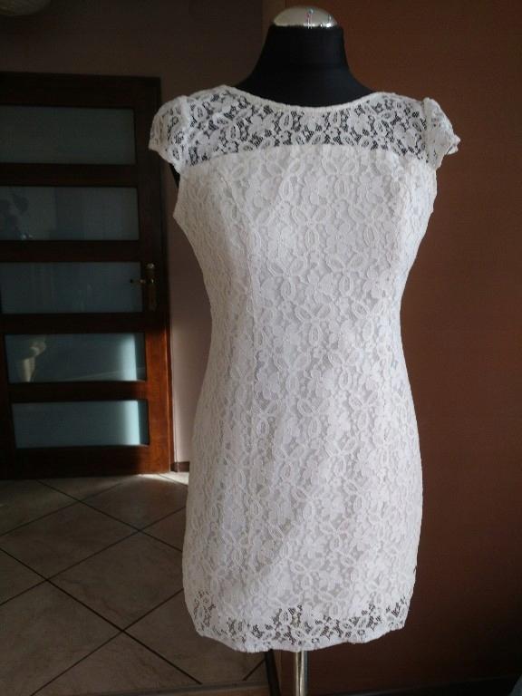 sukienka koronkowa biała rozm. 36 Hollister