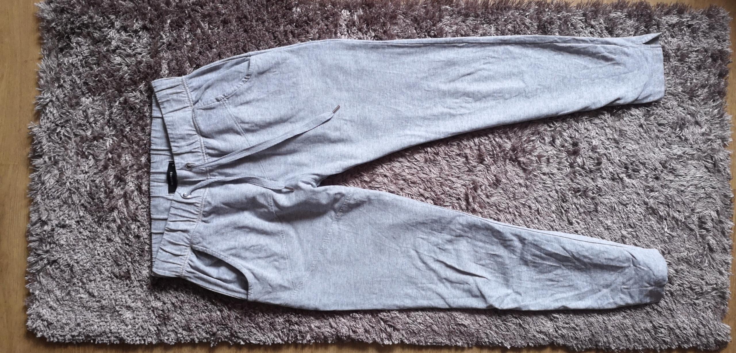 Spodnie dresowe Reserved 36 S