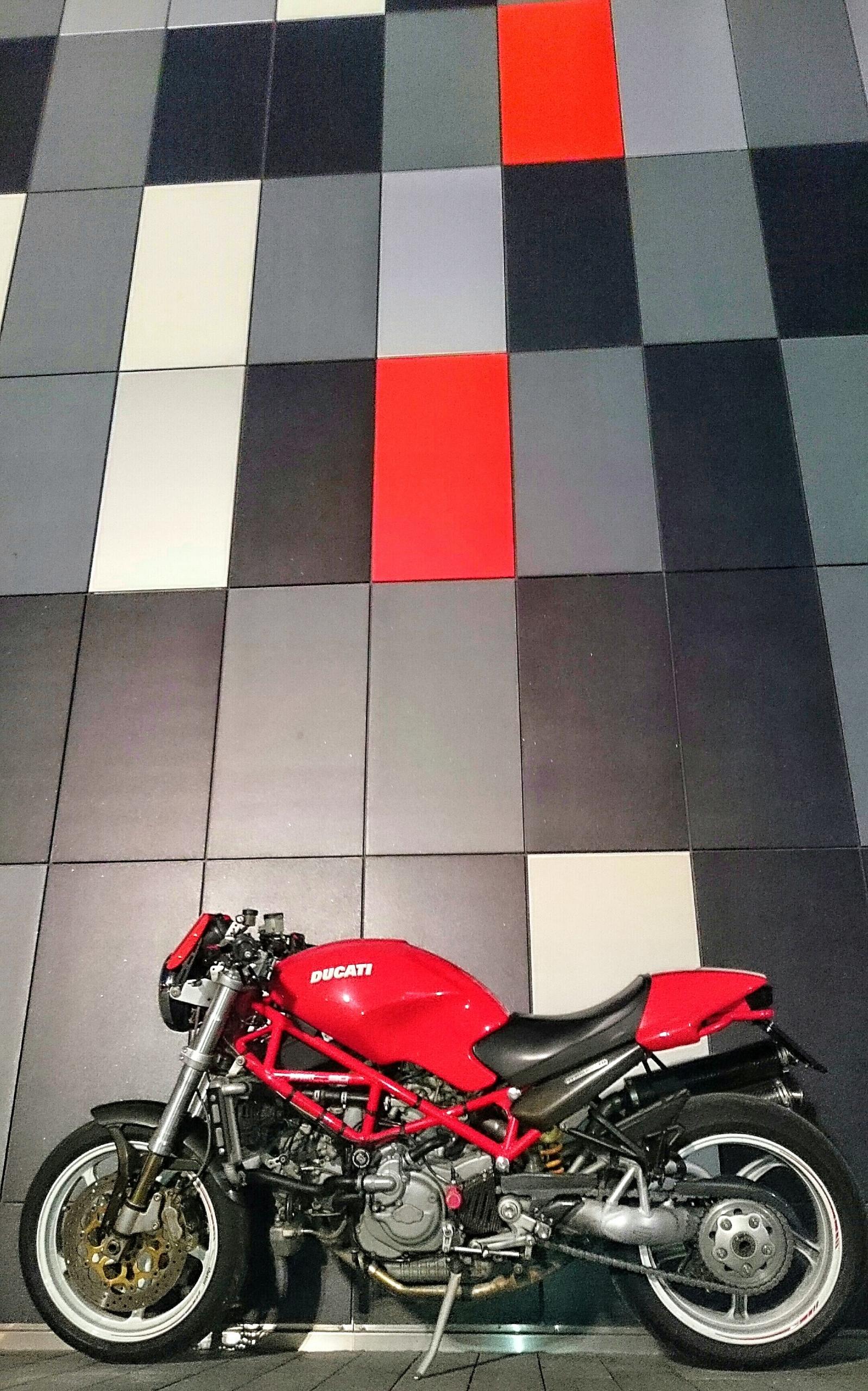 Ducati Monster S4R z 2004 roku - silnik 996 cm3