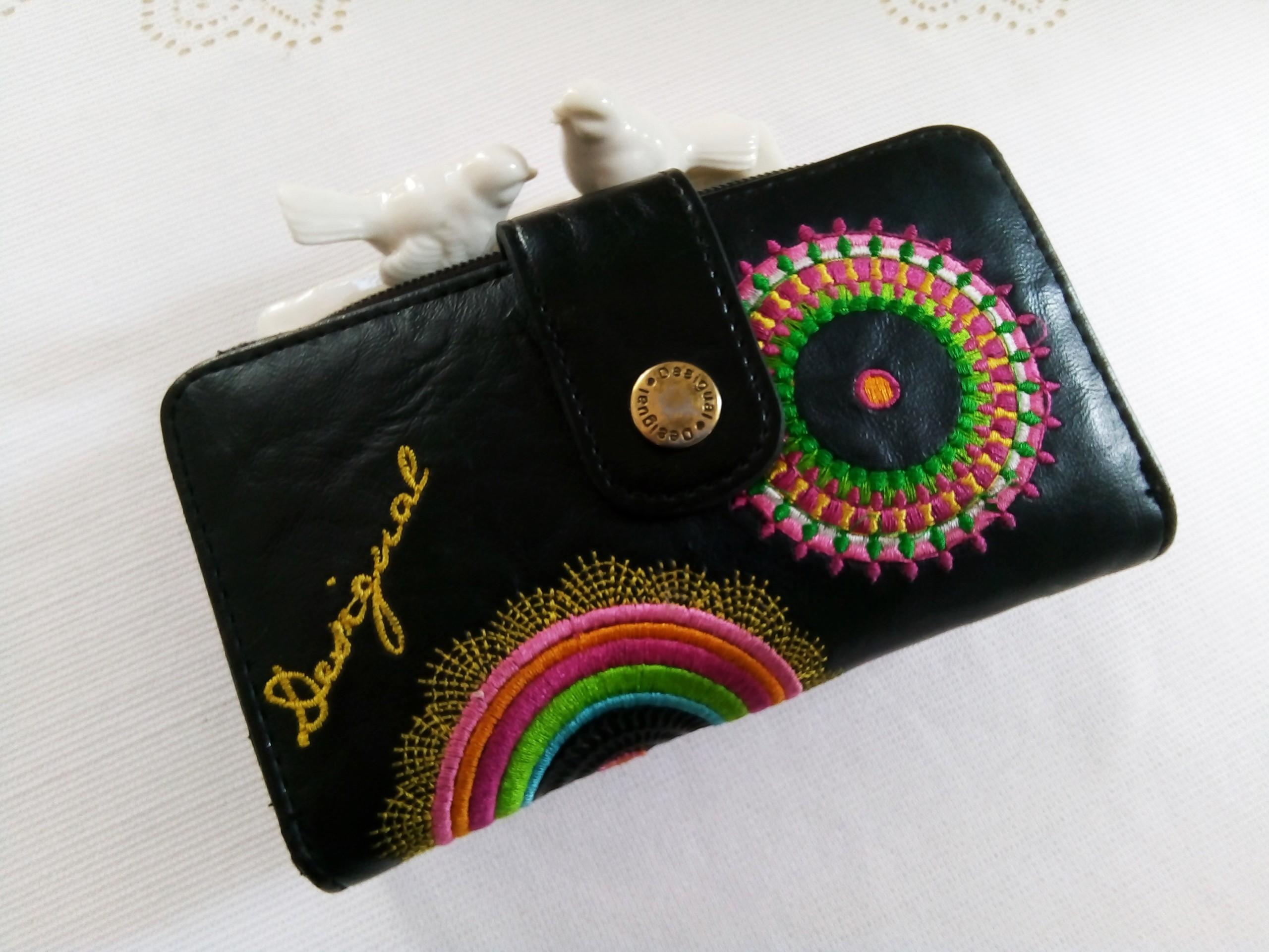 00e6a3978fe91 Desigual duży portfel damski Logo kolory - 7428841880 - oficjalne ...