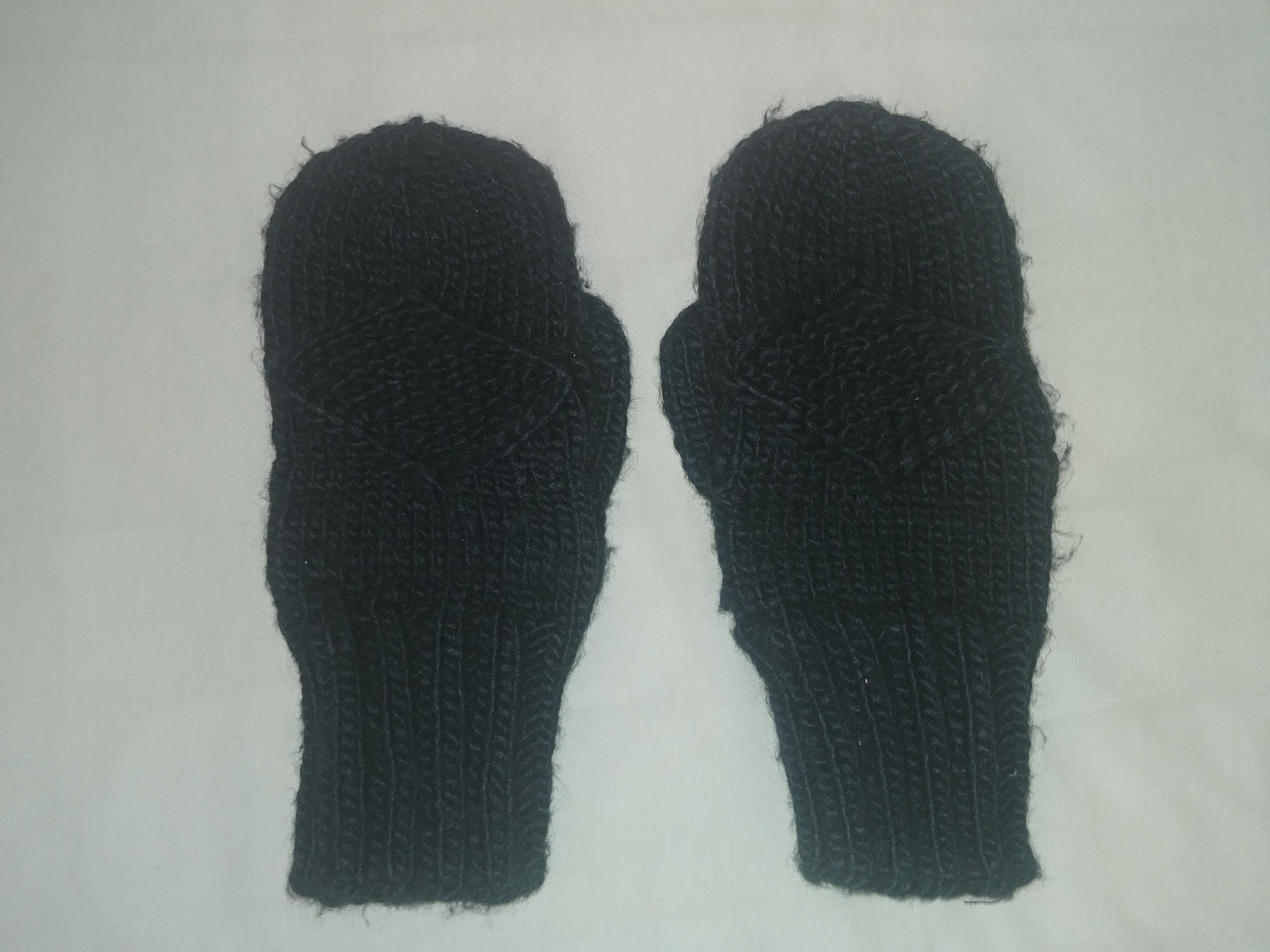 Rękawiczki zimowe czarne, jednopalczaste,z włóczki