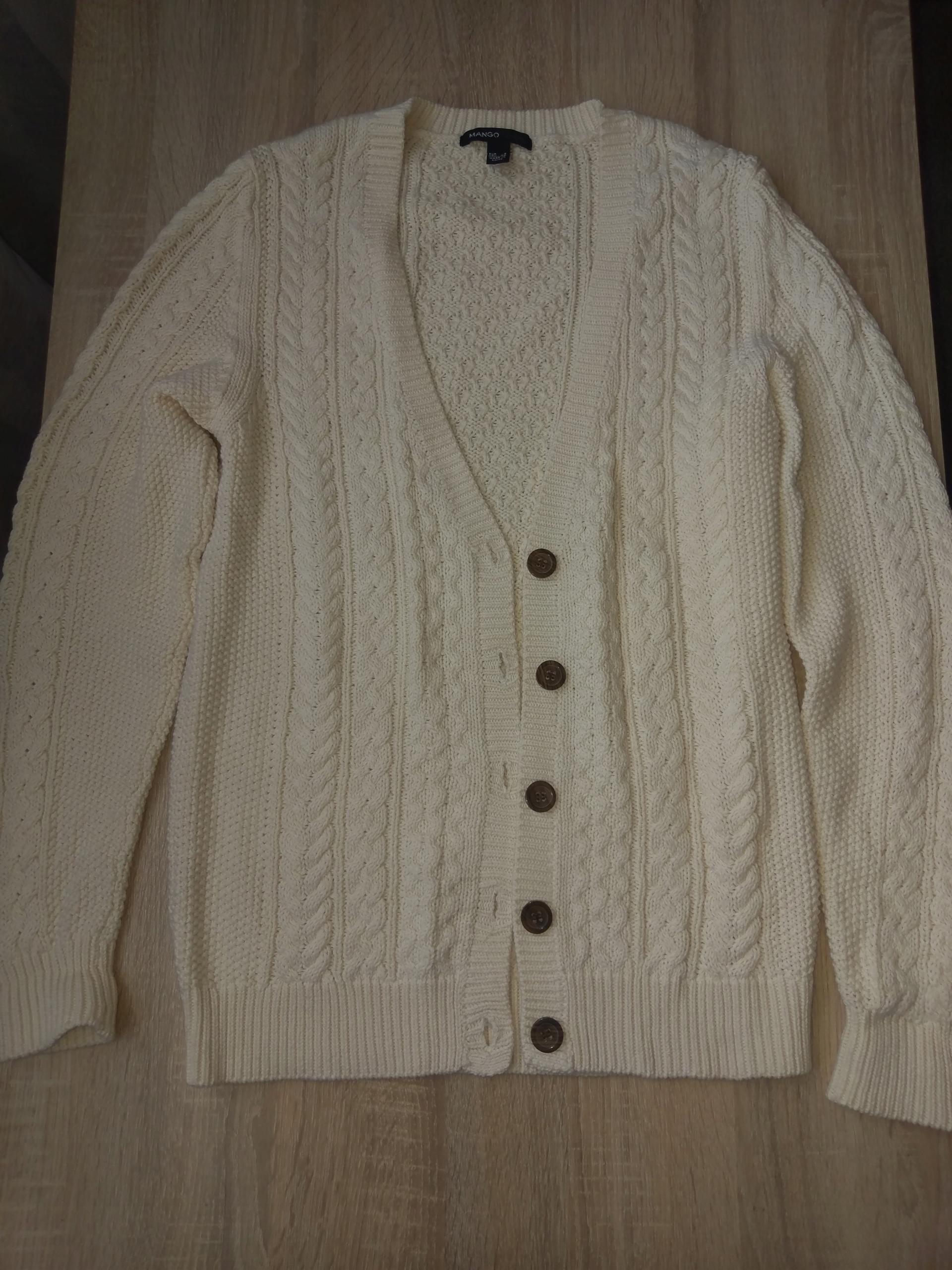 Sweter wełniany biały/ecru na guziki MANGO