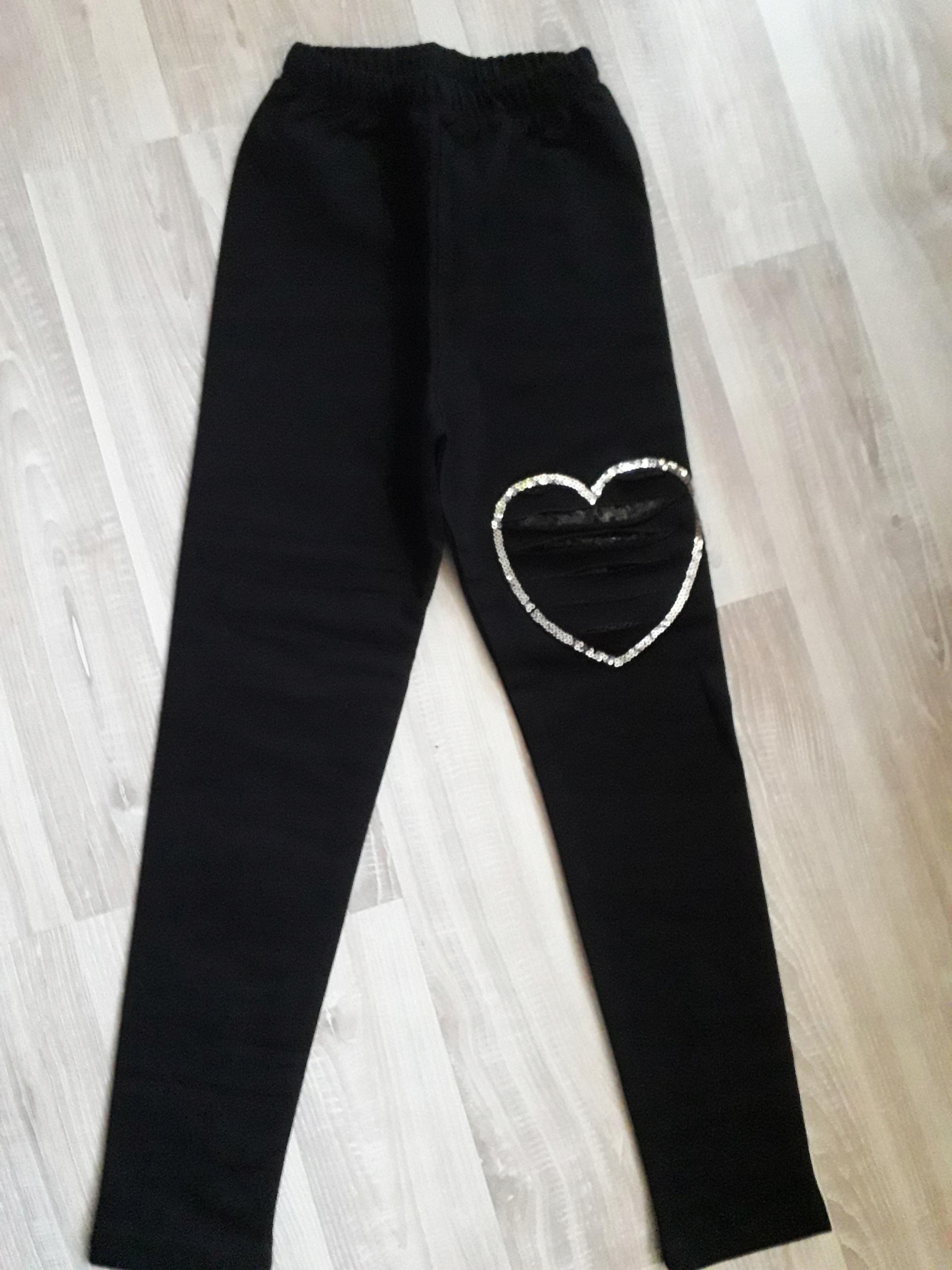98/104 czarne spodnie przecięcia SERCE cekiny
