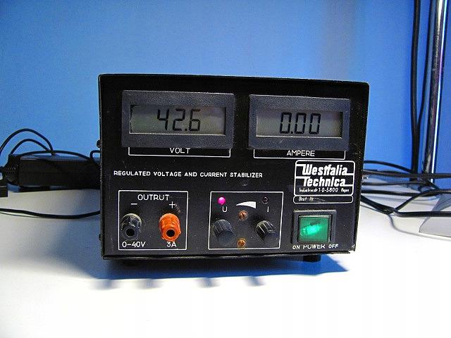 Zasilacz warsztatowy laboratoryjny 0-42V / 0-3A