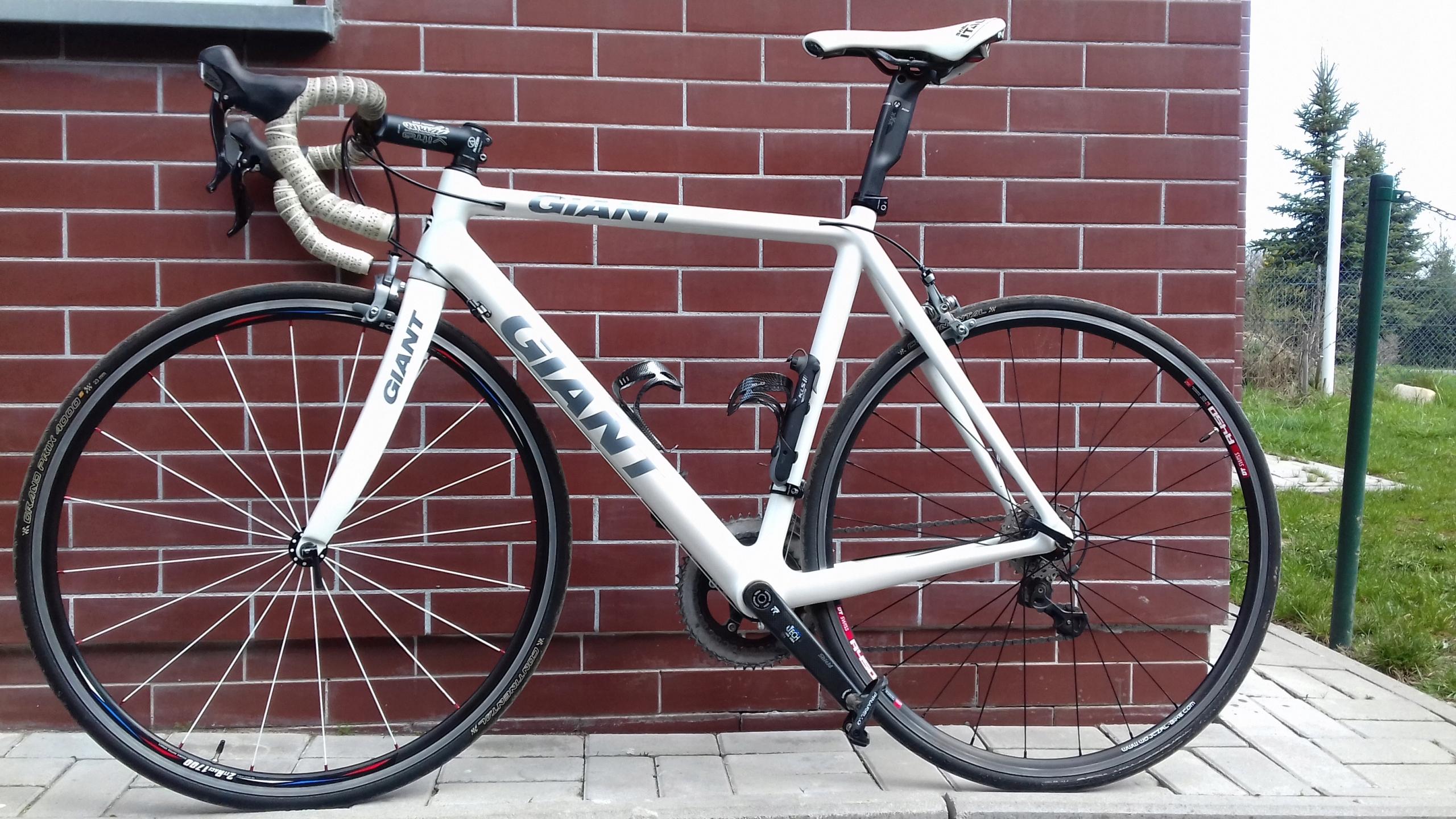 Rower szosowy Giant Carbon kolarzówka