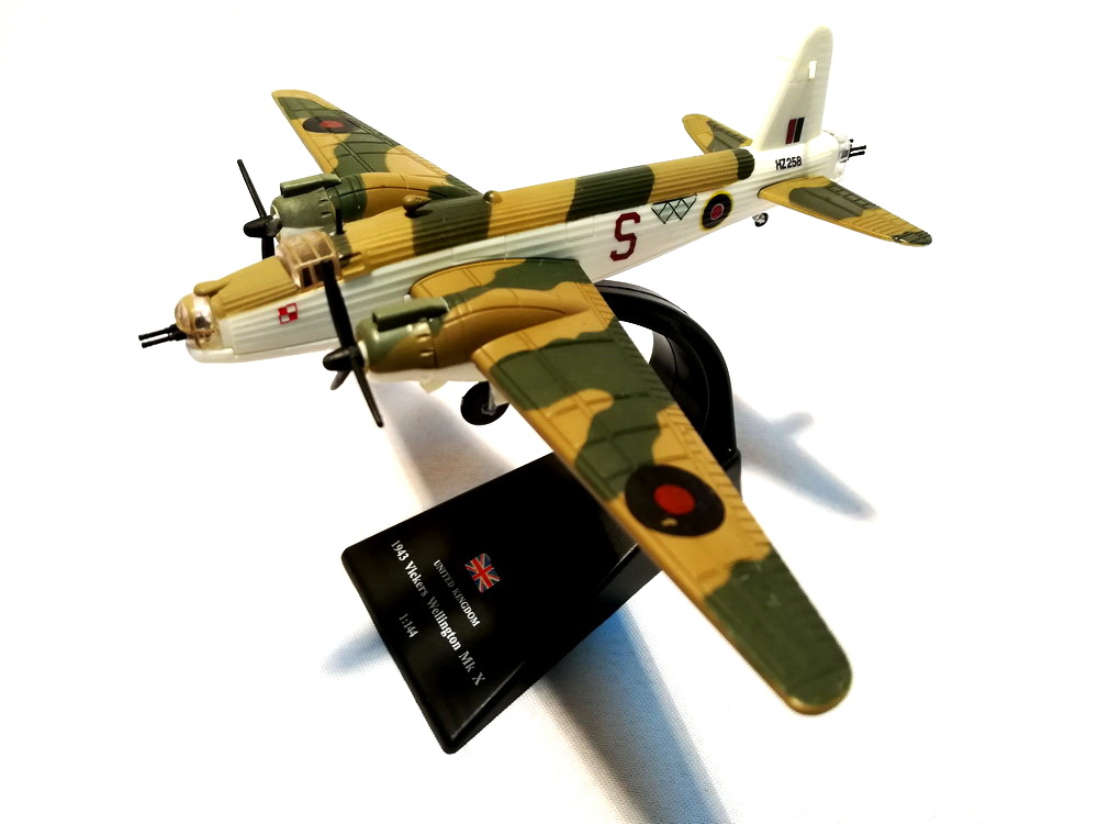 1943 VICKERS WELLINGTON Mk X 1:144