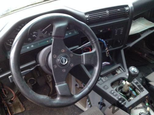 kierownica + naba do BMW E30