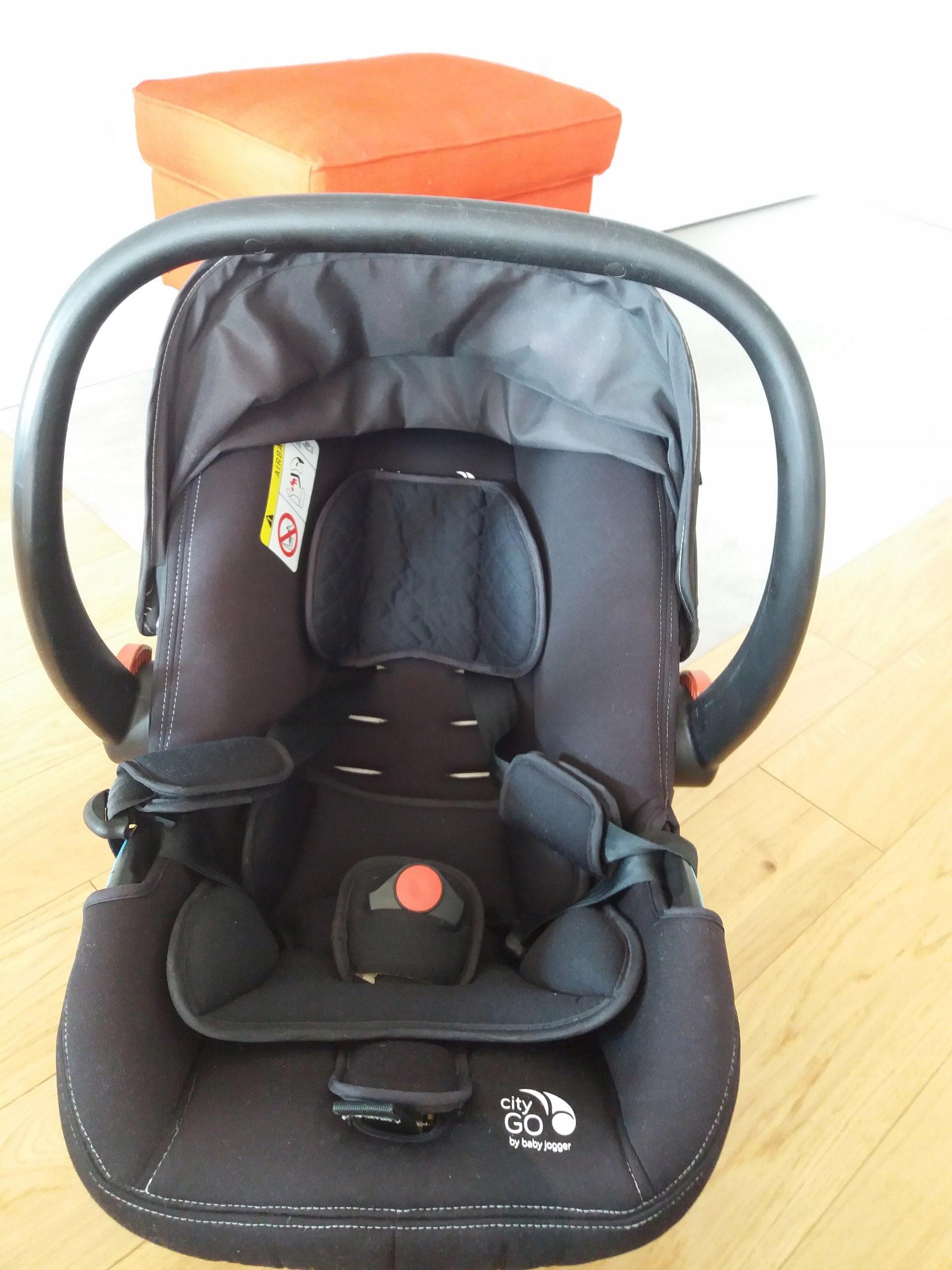 fotelik nosidełko Baby Jogger City Go + adaptery
