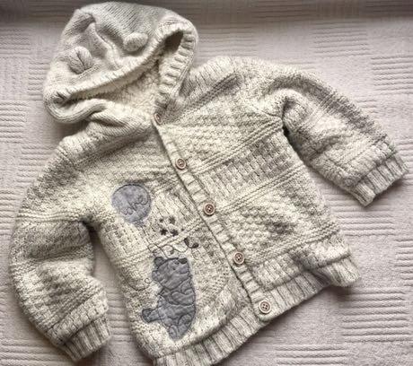 Śliczny ciepły sweterek Disney George Kubus Puchat