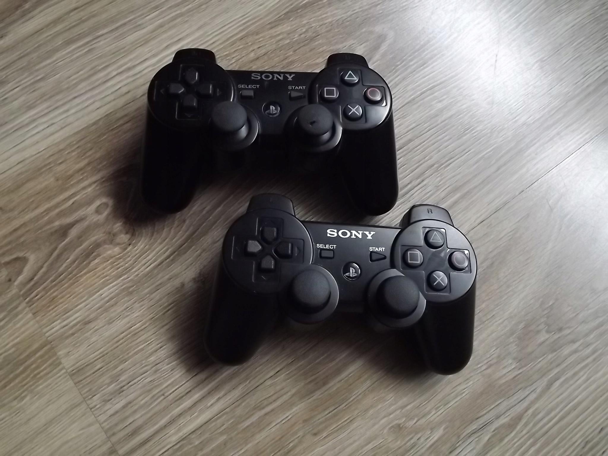 Oryginalny pad SONY do PS3.