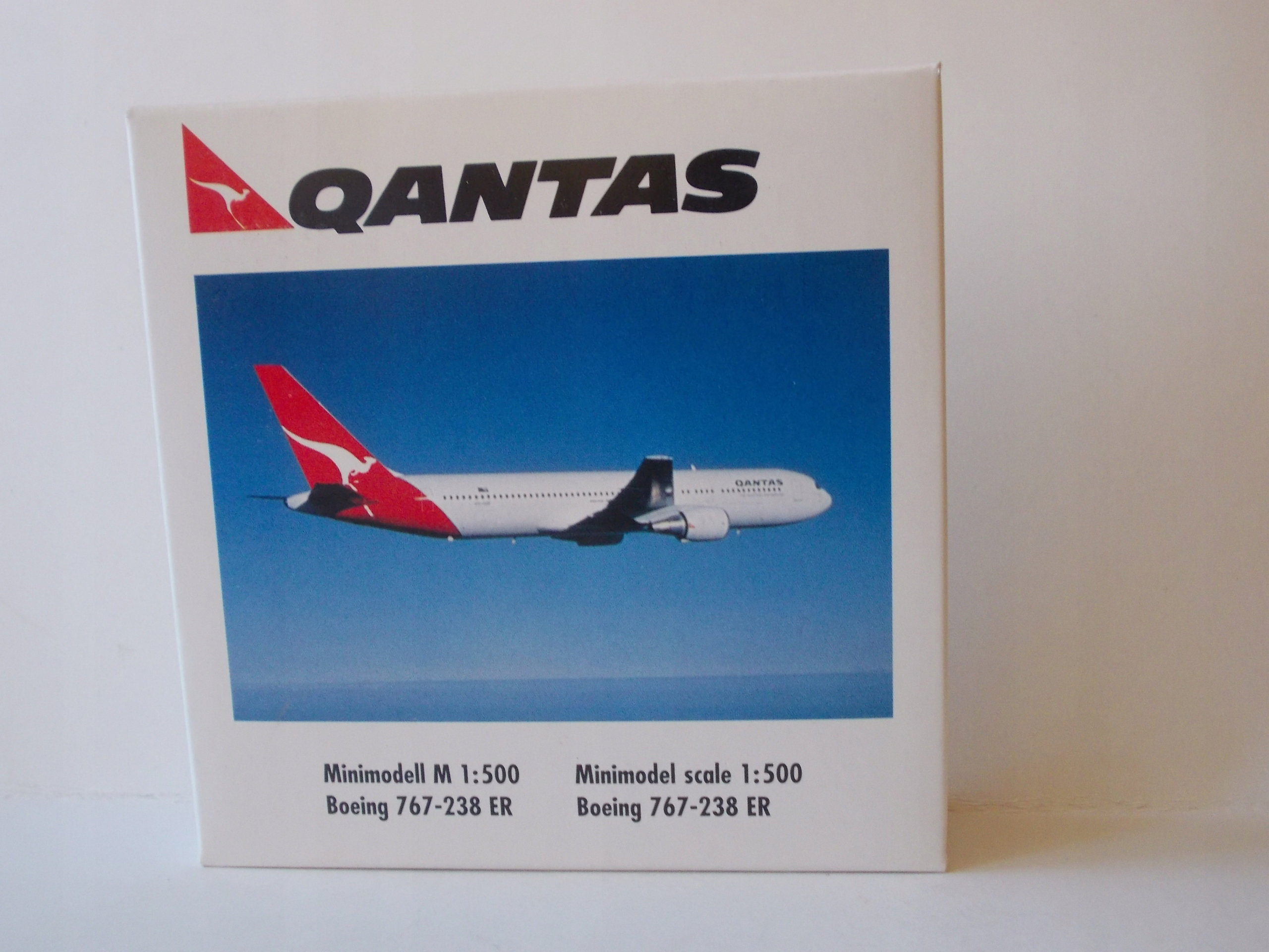 BOEING 767-200 ER / QANTAS / - HERPA 1:500