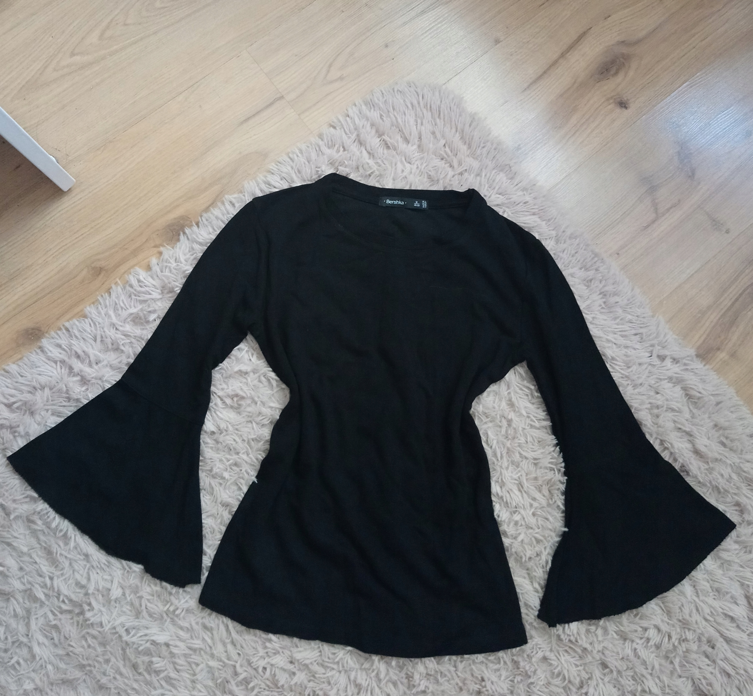 Czarna bluzka szerokie rękawy bershka m/38