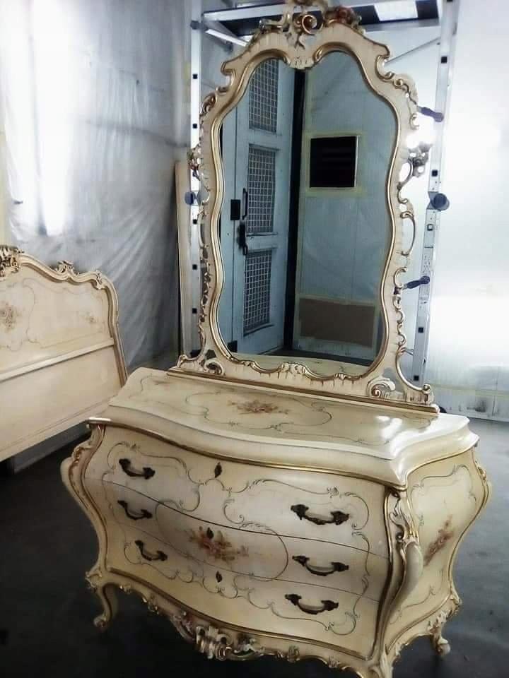 Barok venecki łoze i komoda z lustrem polichromia.