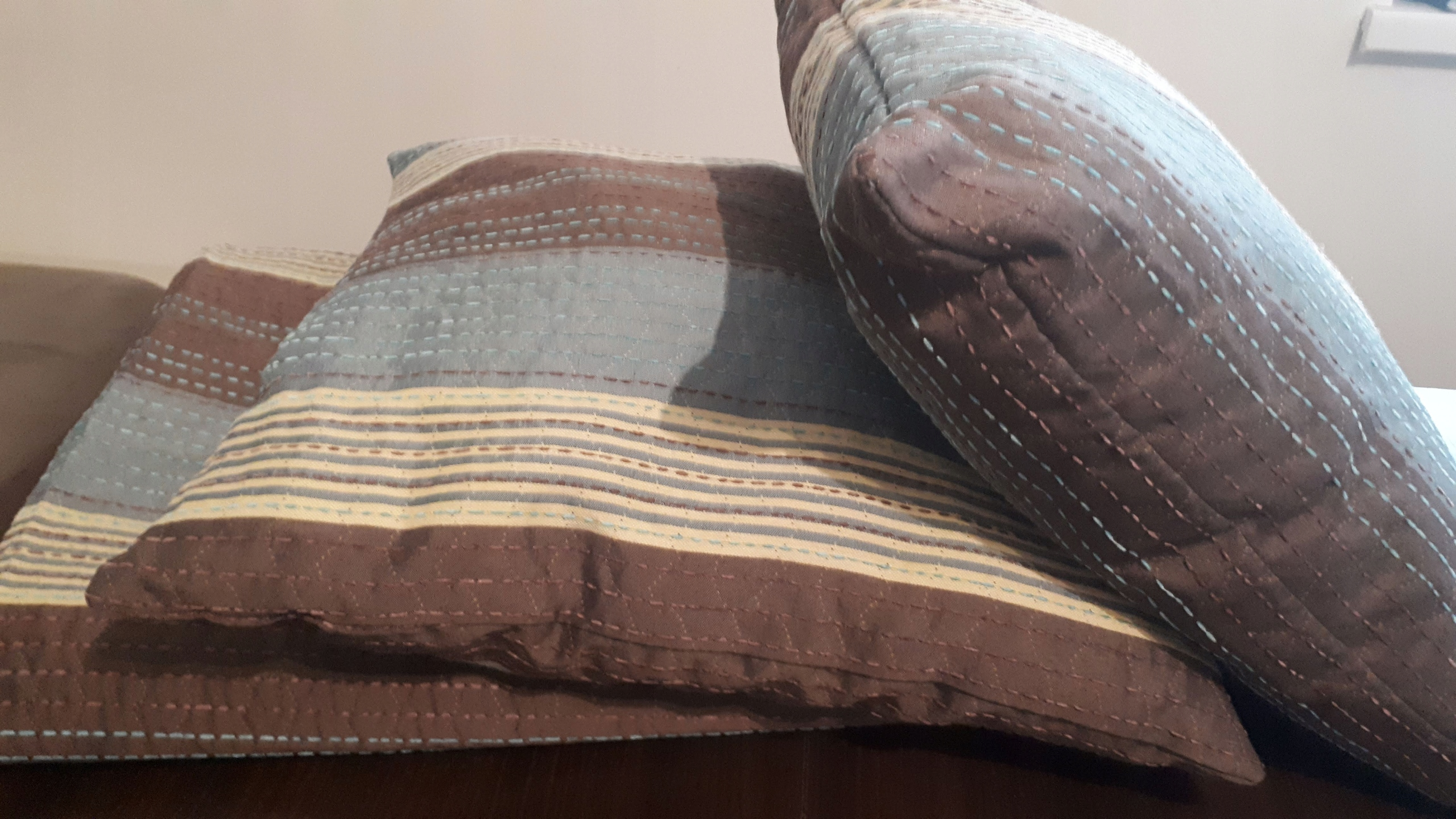 Narzuta Home&You + 2 poduszki dekoracyjne
