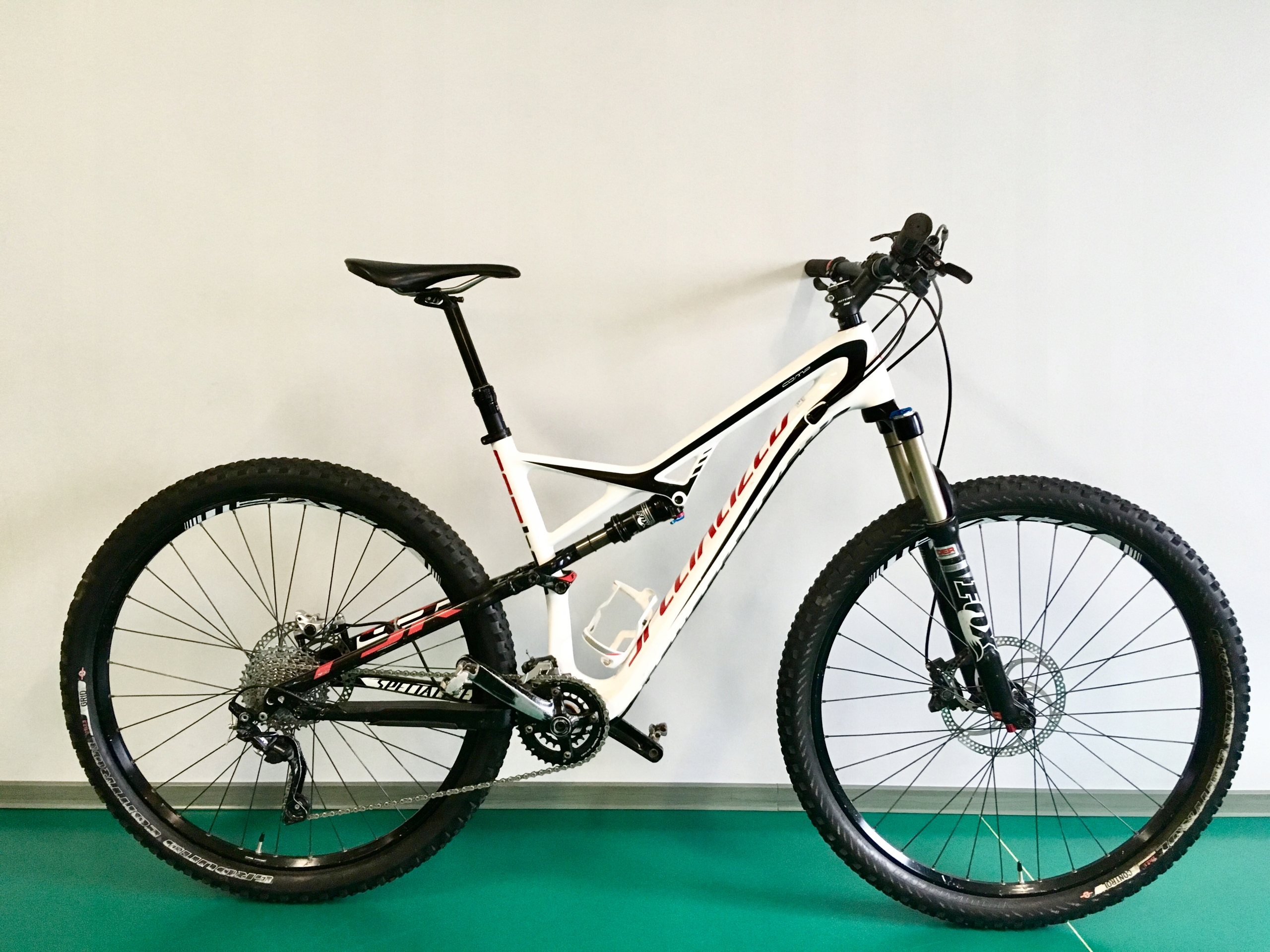 Rower Specialized Camber Comp Carbon Roz. L