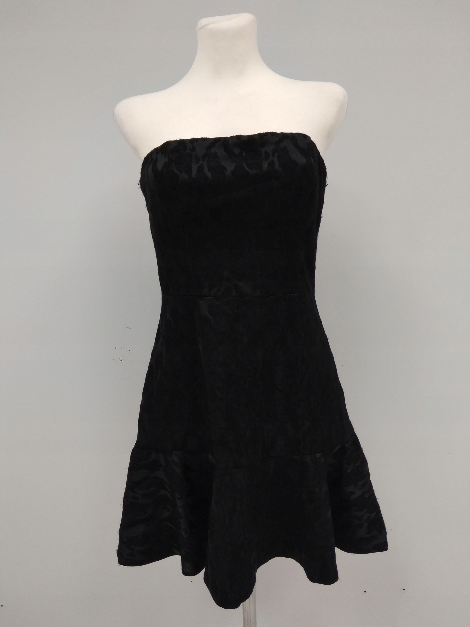 Sukienka damska czarna z falbanką HM A2