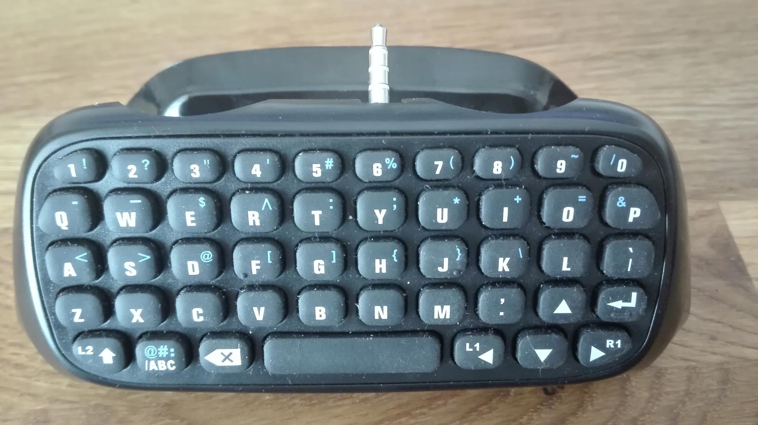 Bezprzewodowa klawiatura ChatPad do pada PS4