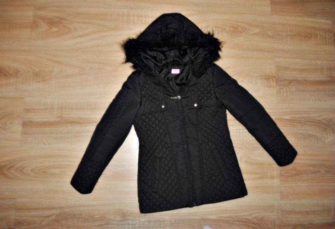 F&F śliczna czarna kurtka 128-134 BDB