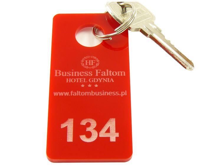 Numerki do szatni breloki do kluczy hotelowych 4x7
