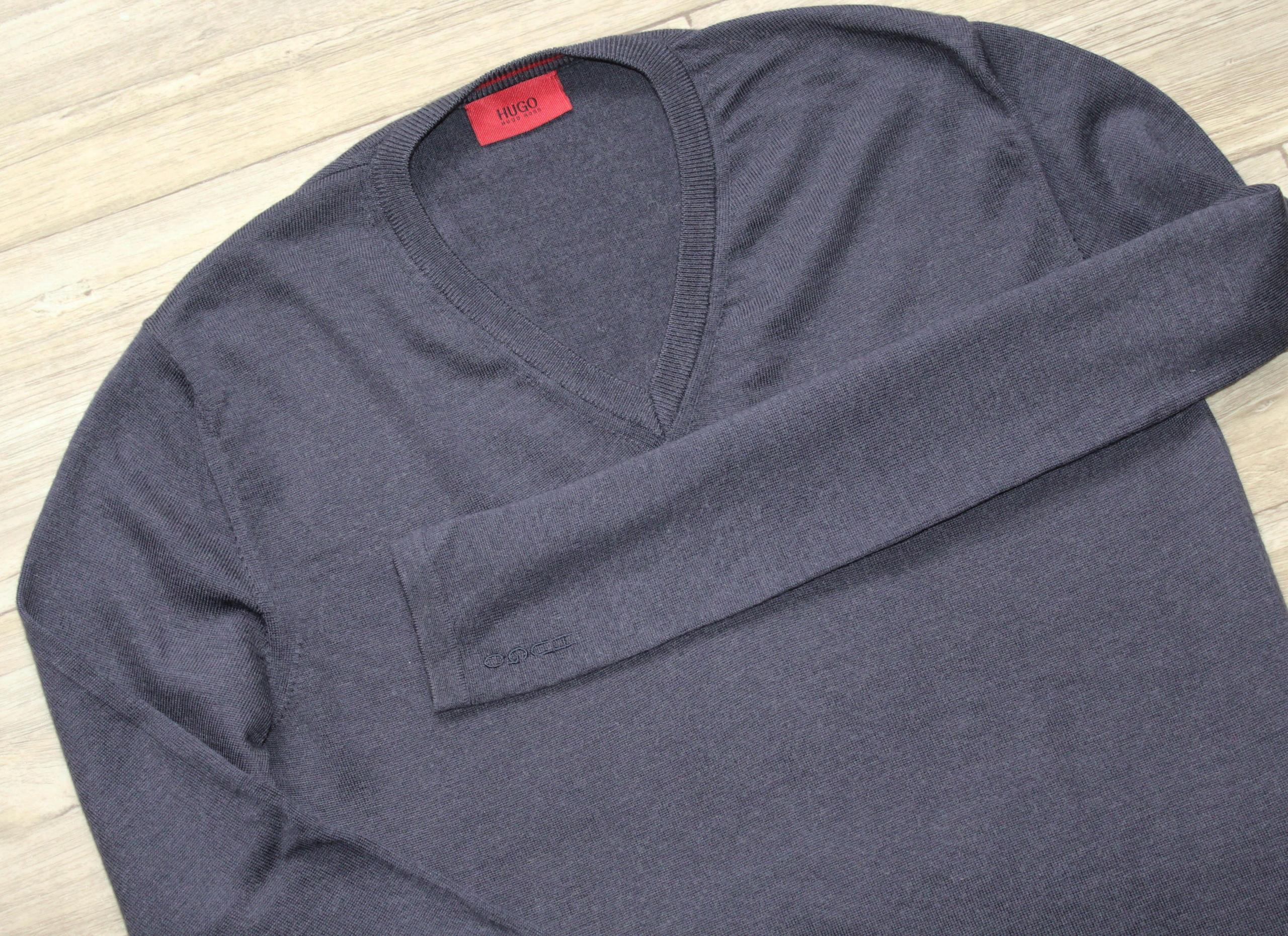 Sweter Hugo Boss bdb M L RED logowany