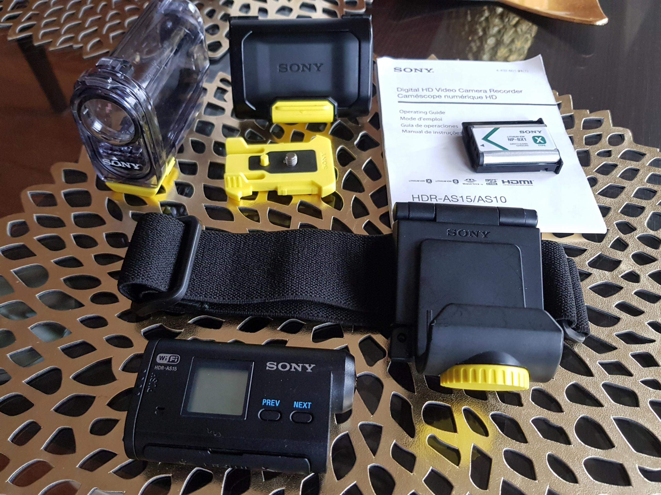 *Sony HDR-AS15 kamera sportowa, + dodatki 200 zł*