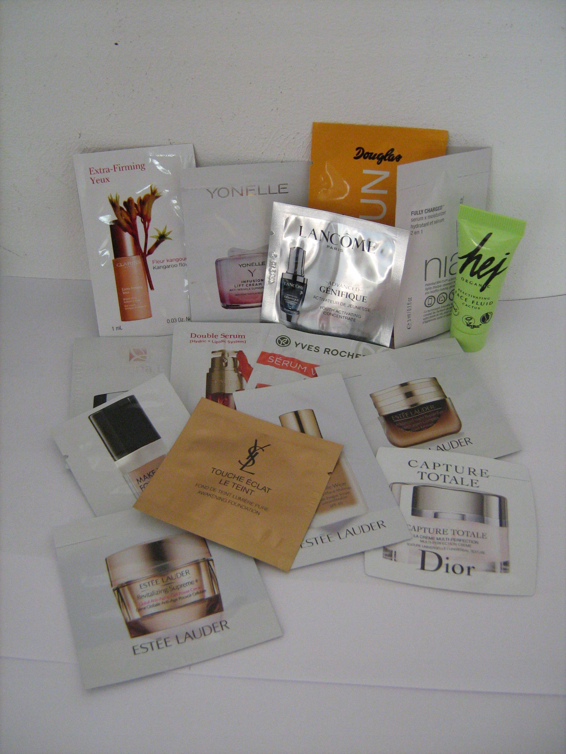 Próbki Dior Lancome Lauder YSL Clarins Eris 15 szt
