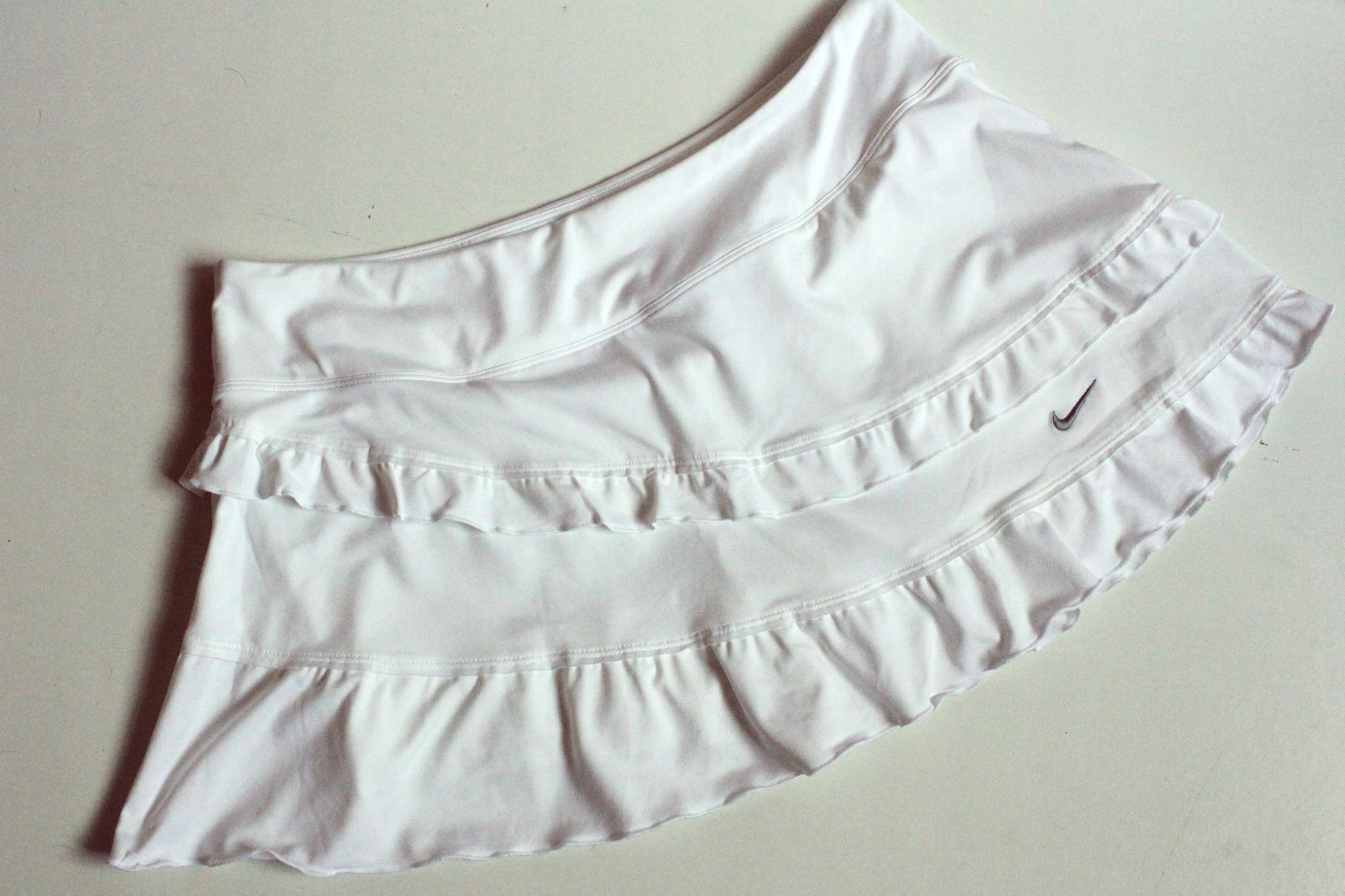 NIKE DRI-FIT Sportowa spódnica ze spodenkami