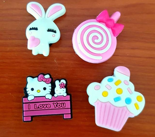 Przypinki do Crocs jibbitz Hello Kitty 4 sztuk