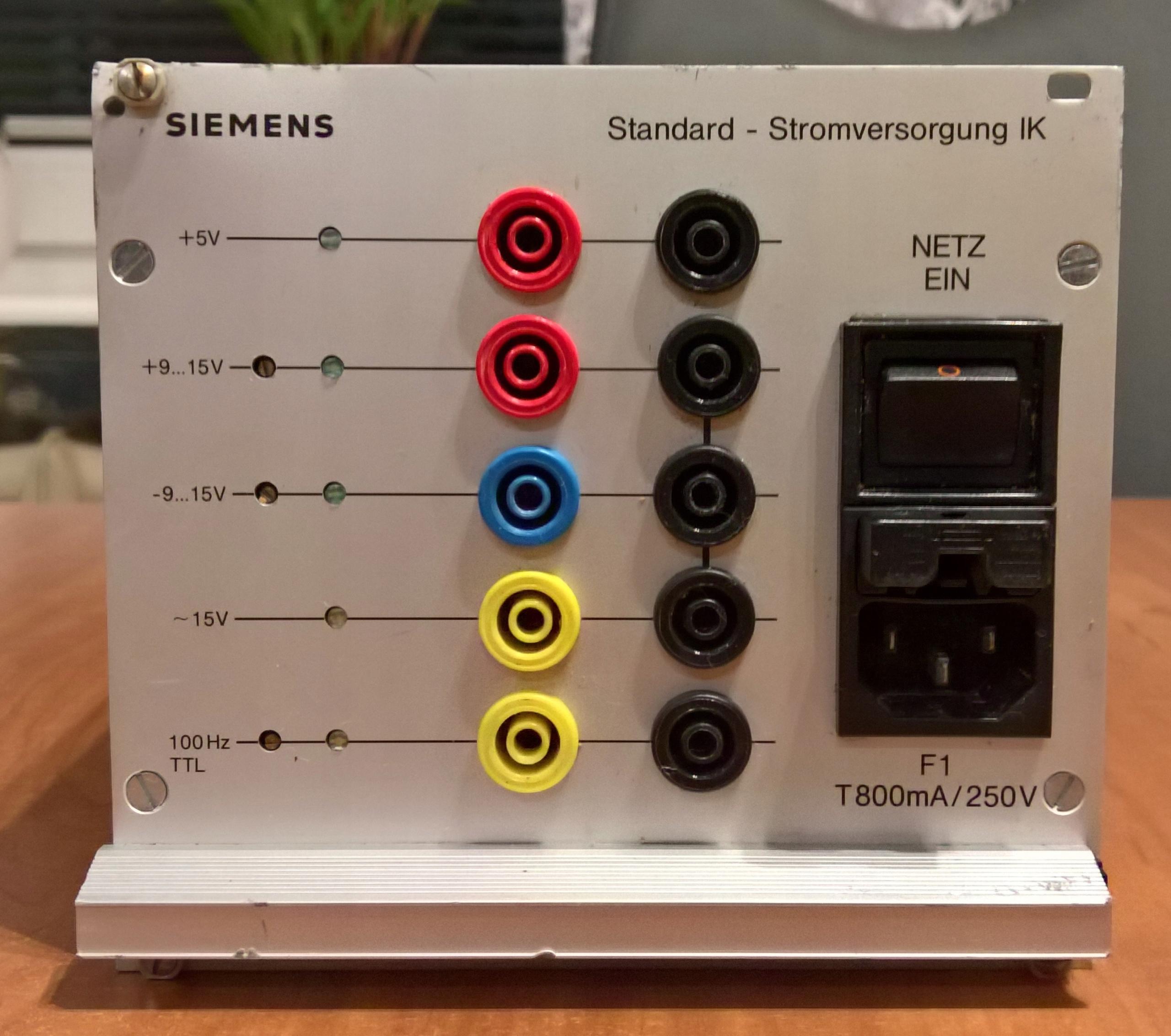 Zasilacz regulowany Siemens IK 9V 15V 100Hz TTL