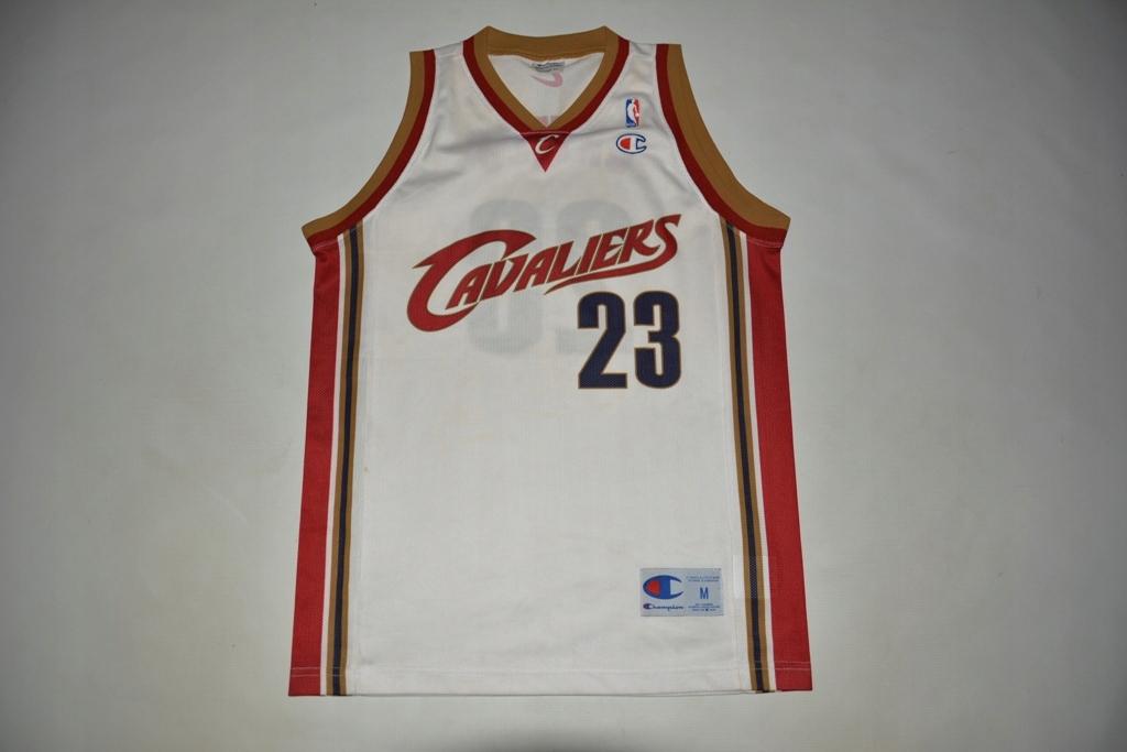 NBA CLEVELAND CAVALIERS JAMES 23 CHAMPION M ORYG.